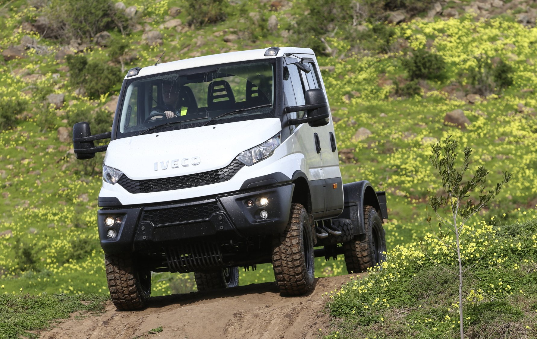 2016 iveco daily 4x4 off road review caradvice. Black Bedroom Furniture Sets. Home Design Ideas