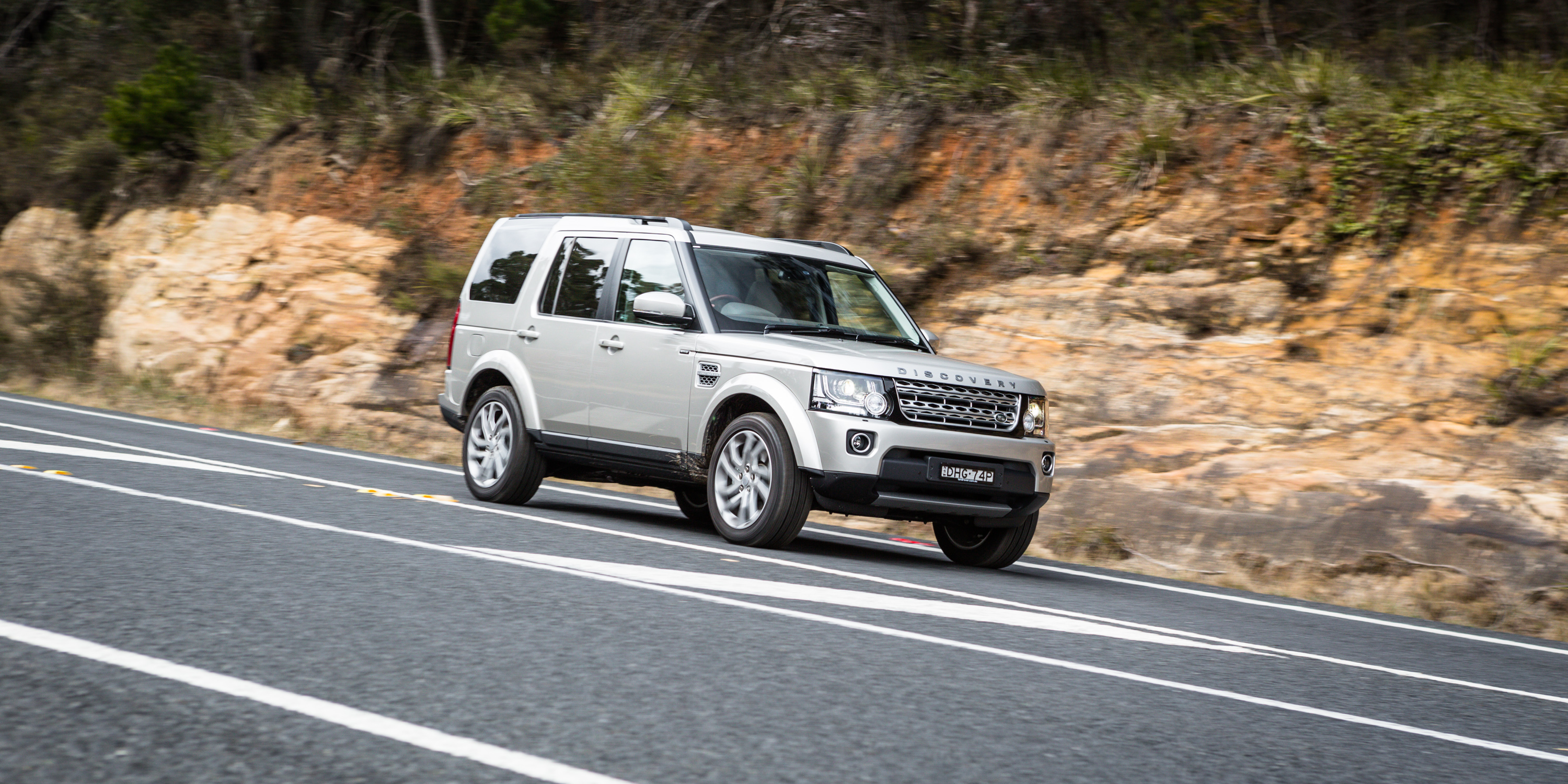 2016 land rover discovery sdv6 hse off road review caradvice. Black Bedroom Furniture Sets. Home Design Ideas