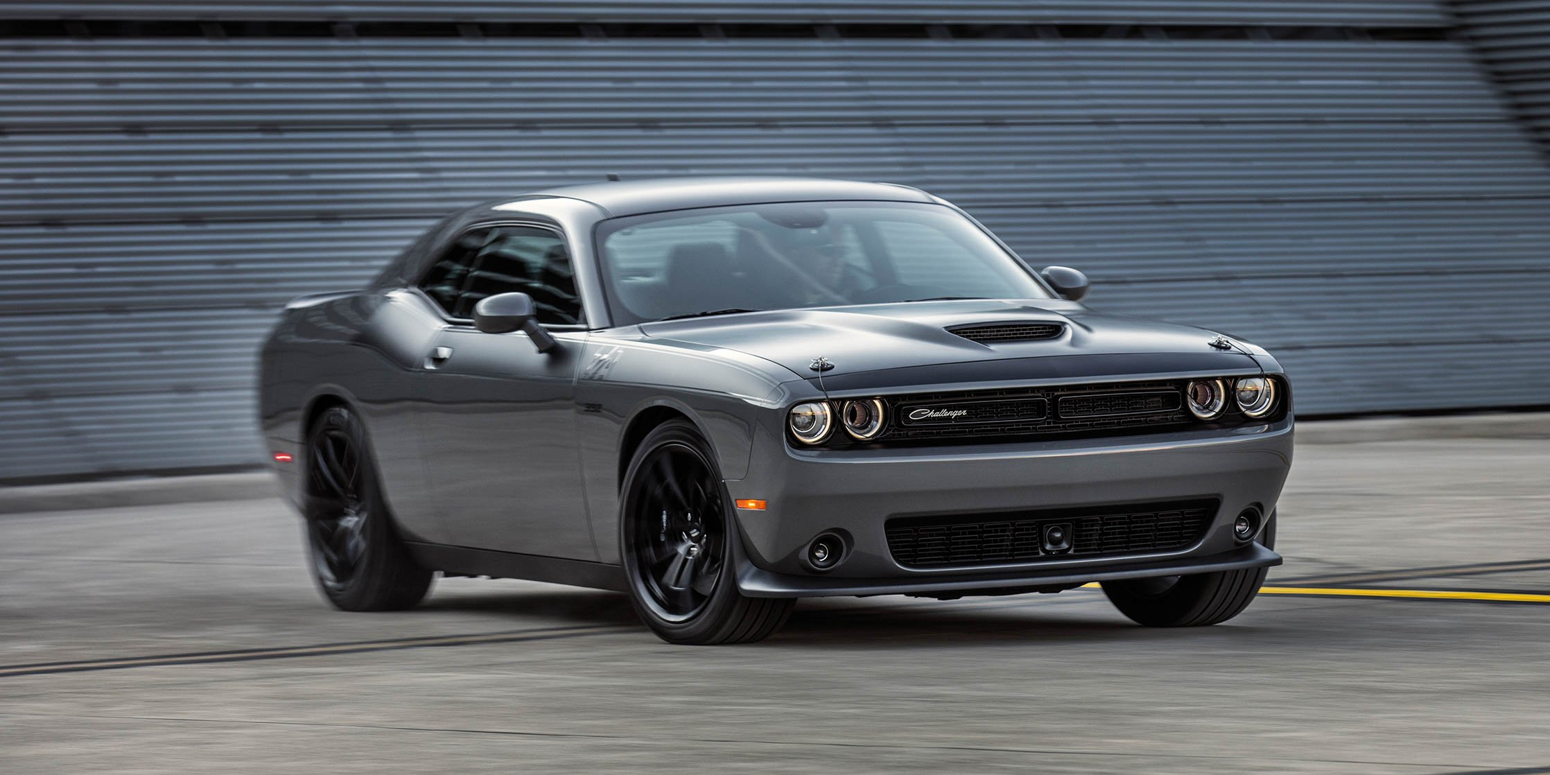 2017 dodge challenger t a charger daytona revealed iconic nameplates return photos 1 of 47. Black Bedroom Furniture Sets. Home Design Ideas