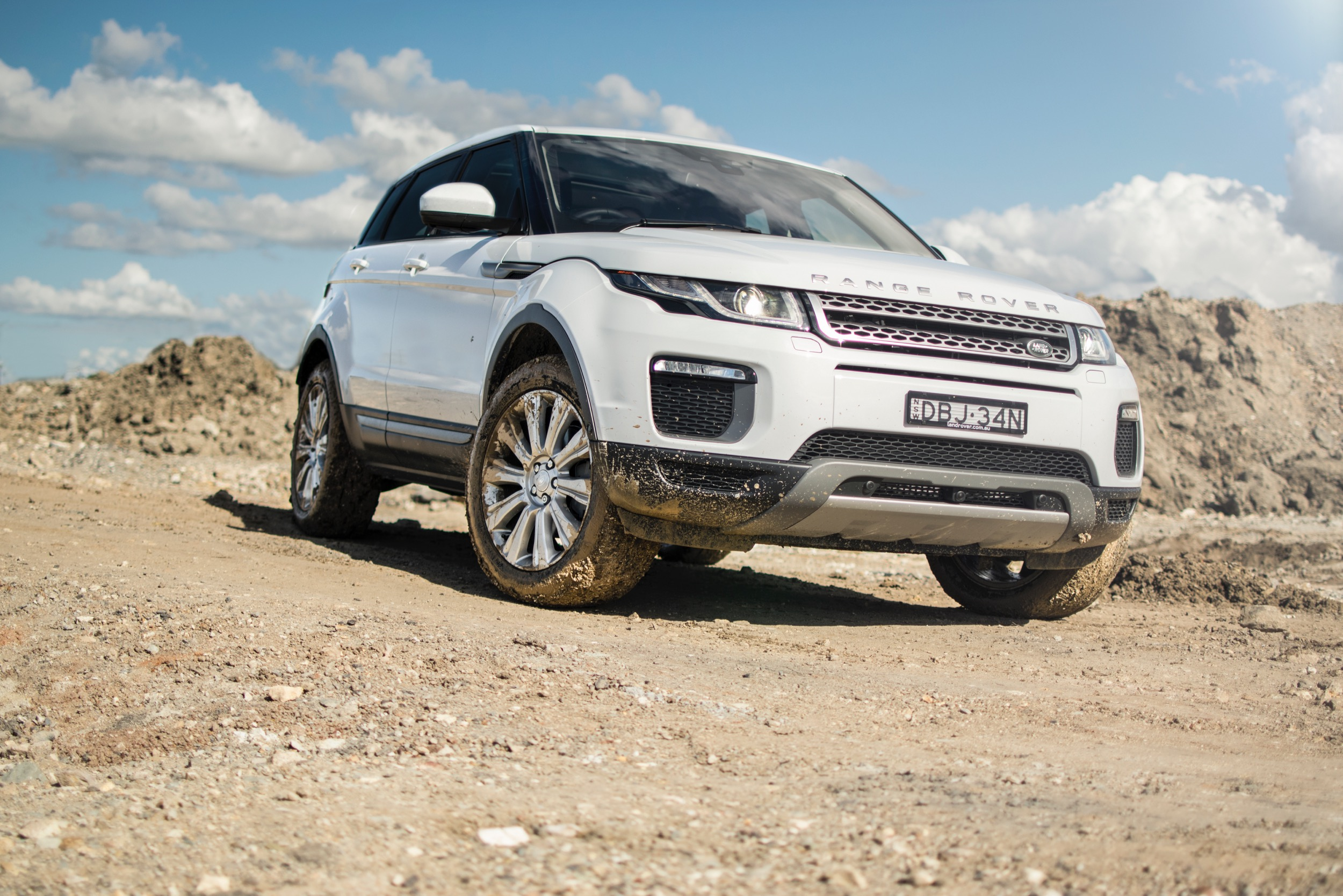 2016 17 land rover discovery sport and range rover evoque recalled for suspension fix photos. Black Bedroom Furniture Sets. Home Design Ideas