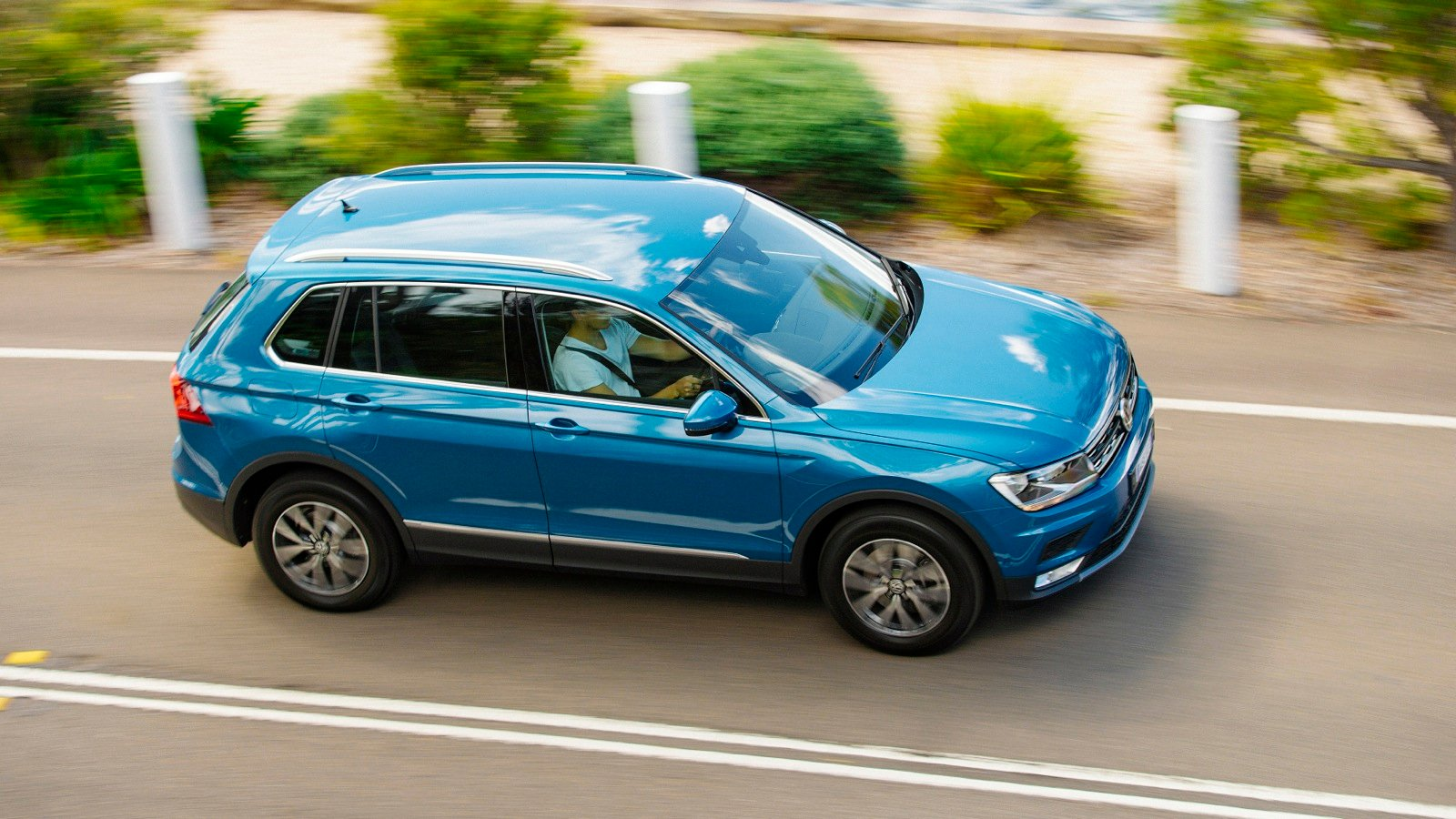 review specification price caradvice 2011 volkswagen tiguan review