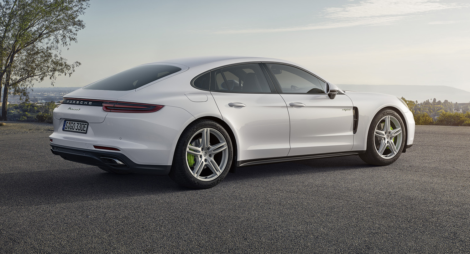 2017 porsche panamera e hybrid unveiled australian order books open photos 1 of 8. Black Bedroom Furniture Sets. Home Design Ideas