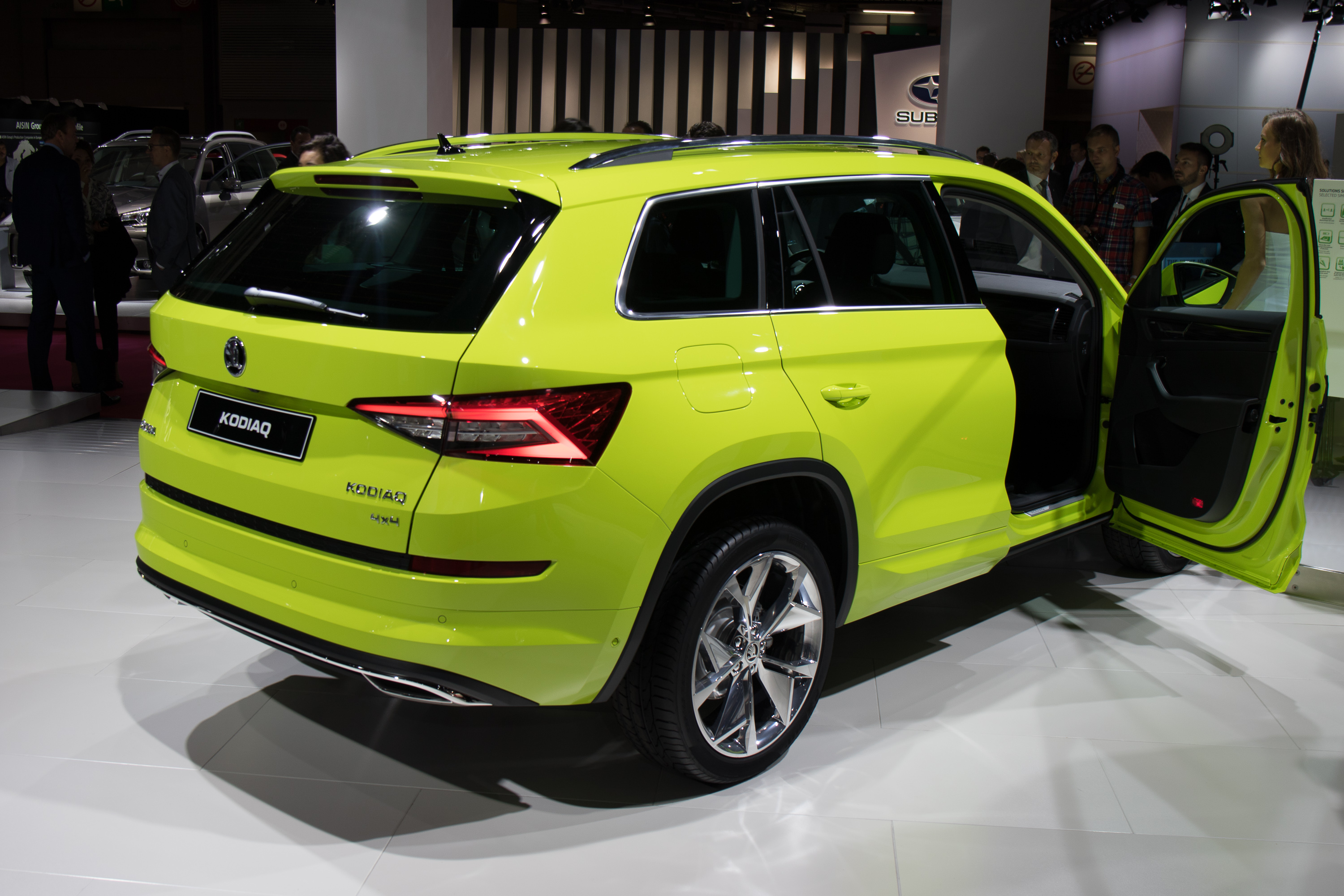 2017 skoda kodiaq seven seat suv revealed australian launch due next year photos 1 of 25. Black Bedroom Furniture Sets. Home Design Ideas