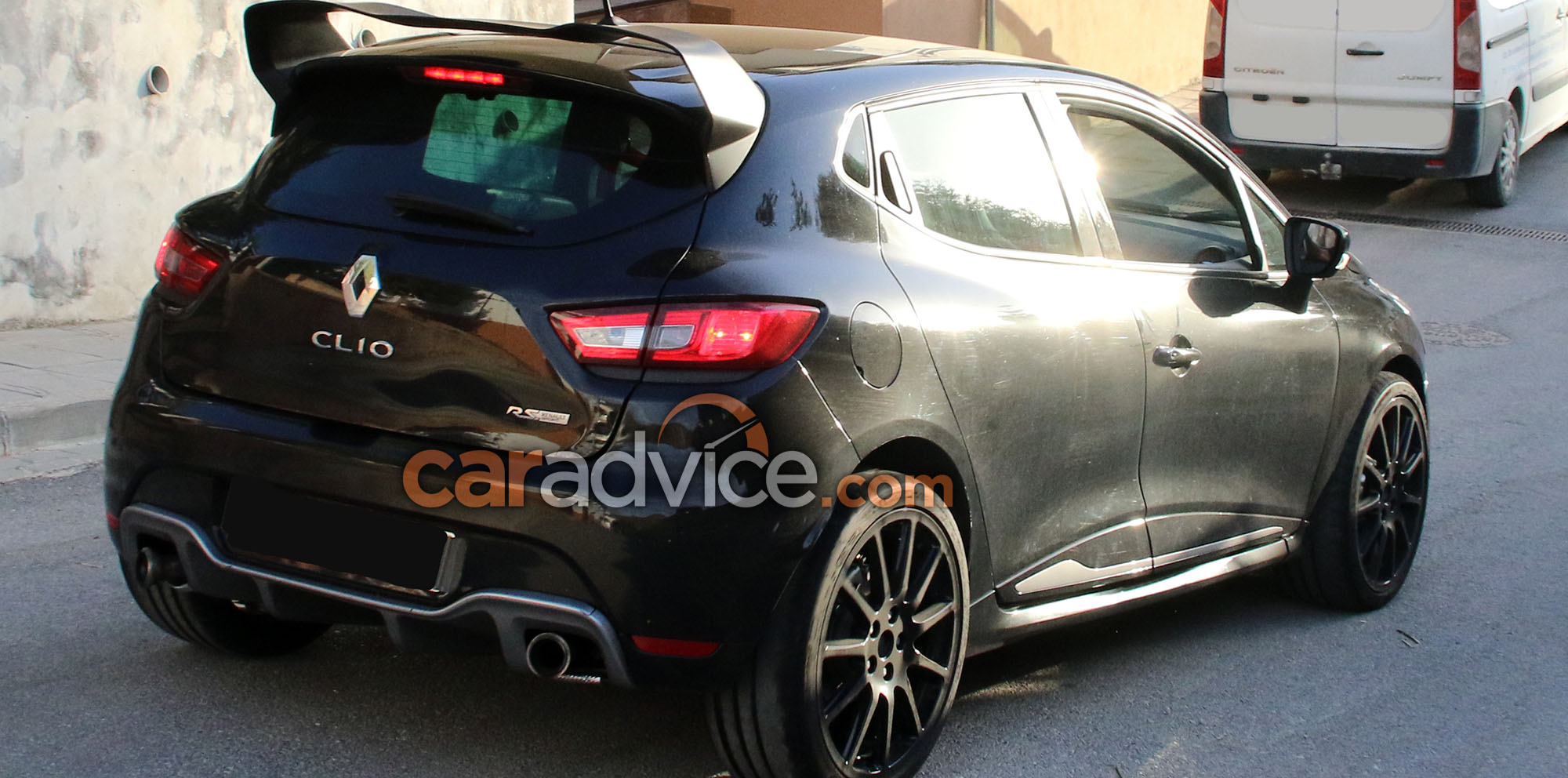 2017 renault clio rs 16 spied photos 1 of 8. Black Bedroom Furniture Sets. Home Design Ideas