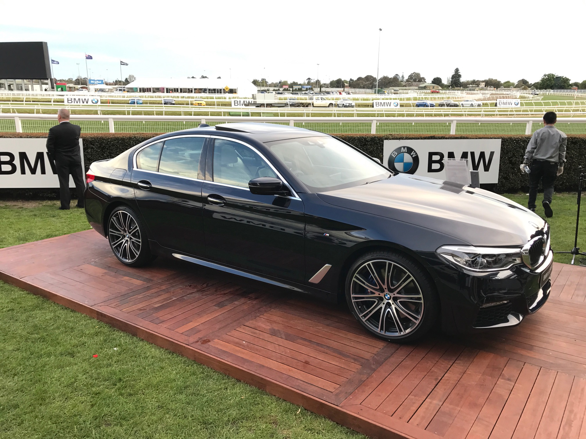 2017 bmw 5 series g30 australian first look walkaround photos 1 of 11. Black Bedroom Furniture Sets. Home Design Ideas
