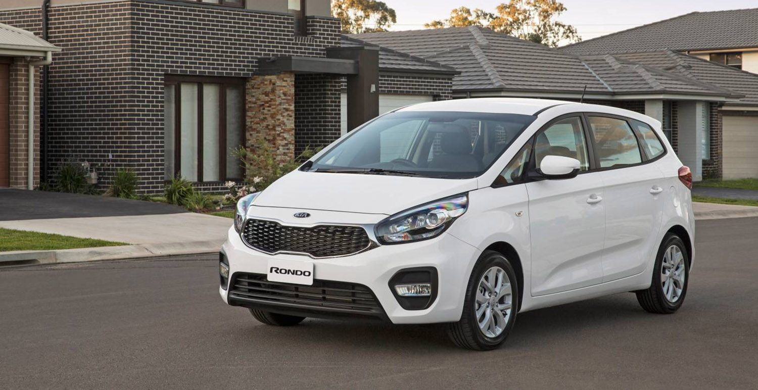 2017 kia rondo pricing and specs refreshed mpv gets sharpened pricing streamlined range. Black Bedroom Furniture Sets. Home Design Ideas