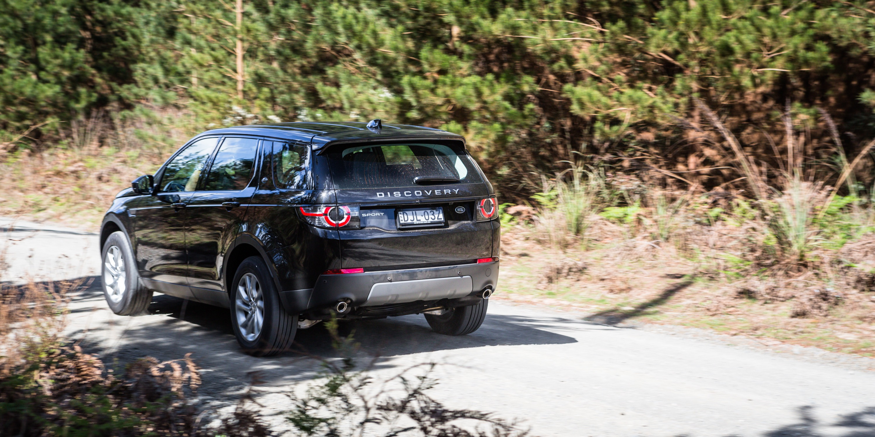 2017 Land Rover Discovery Sport Td4 150 SE review | CarAdvice
