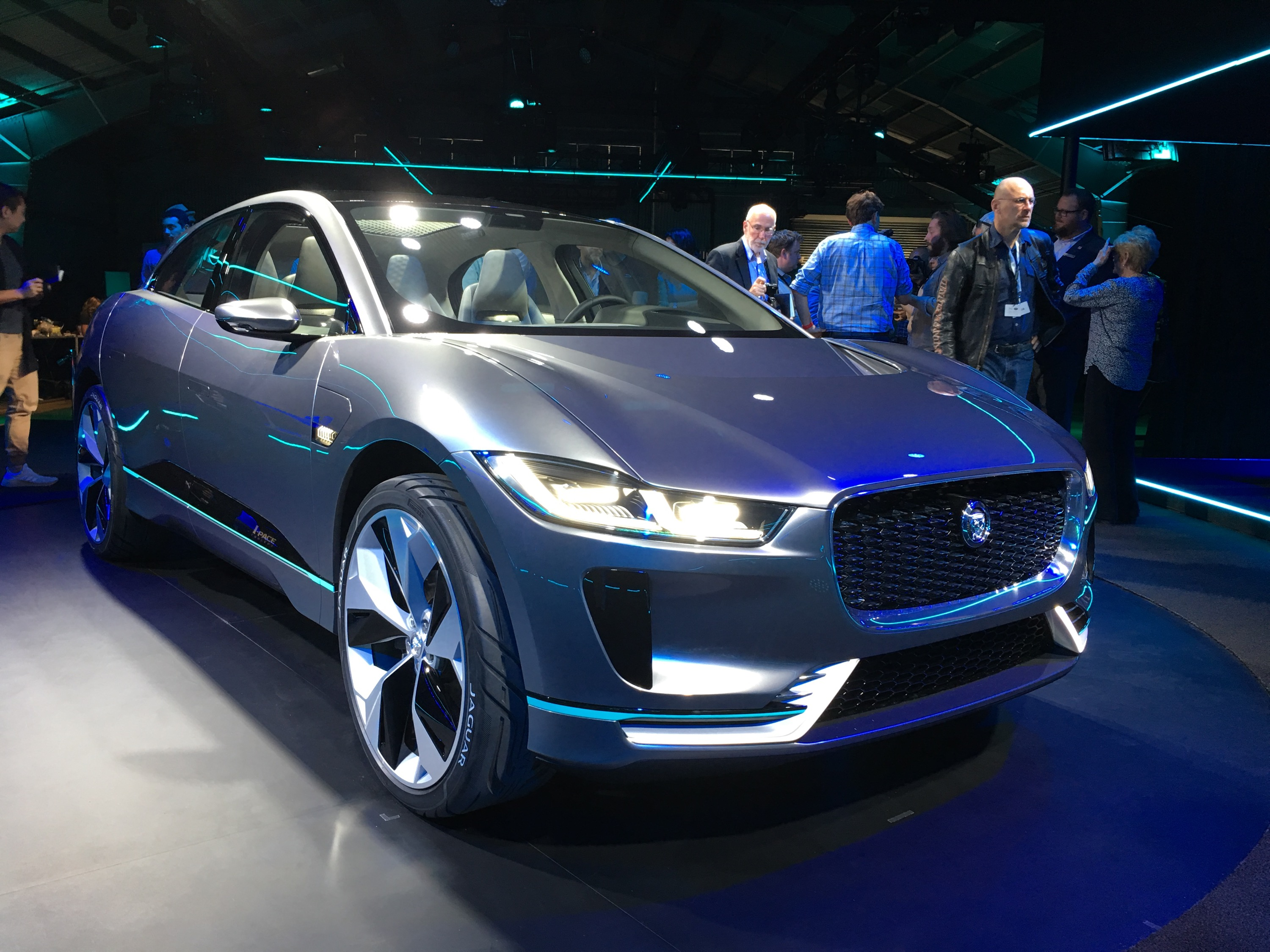 2018 jaguar concept. simple jaguar jaguar to launch plugin hybrids before electric ipace launches in 2018 throughout jaguar concept