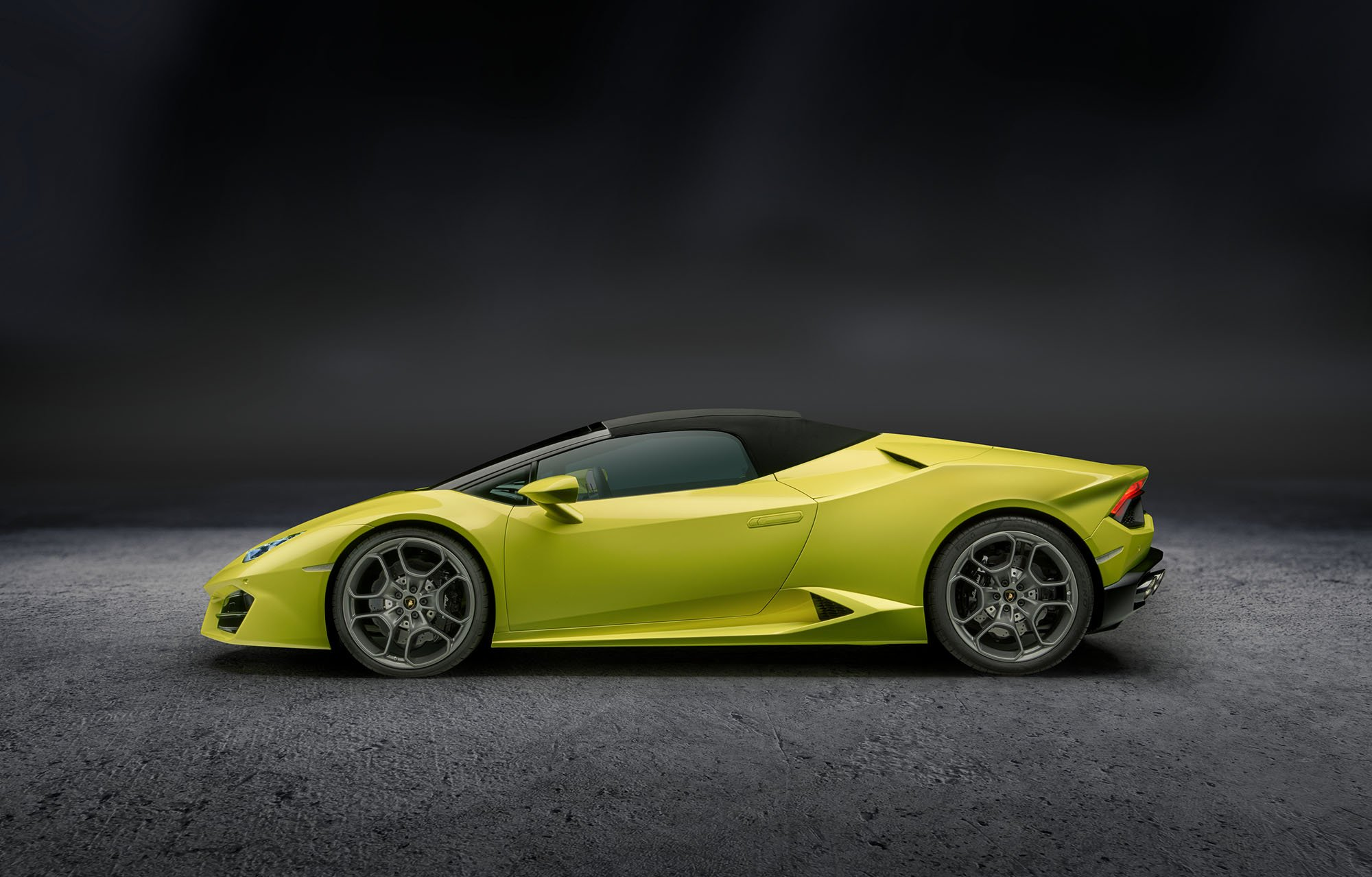 2017 lamborghini huracan rear wheel drive spyder revealed on sale in australia photos 1 of 8. Black Bedroom Furniture Sets. Home Design Ideas