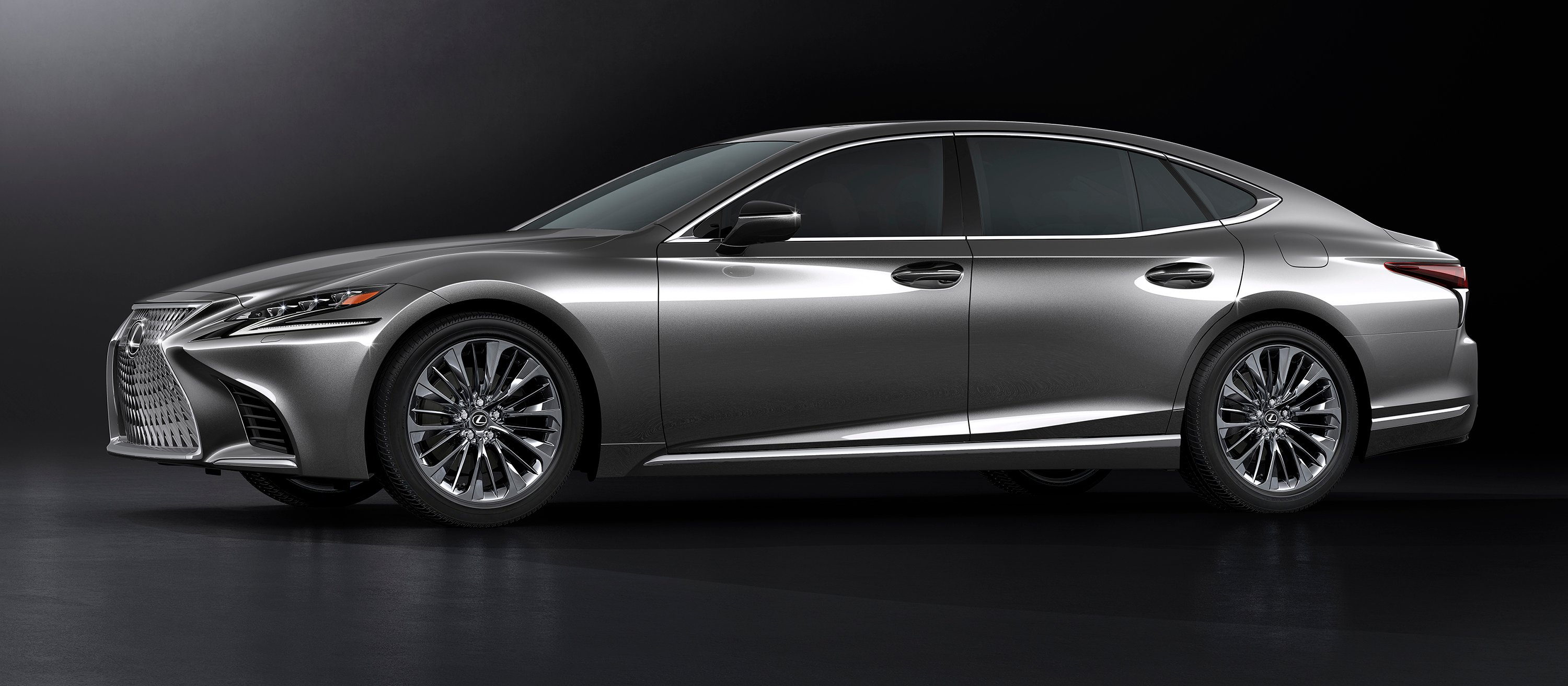 2018 Lexus LS500 revealed in Detroit with powerful new ...