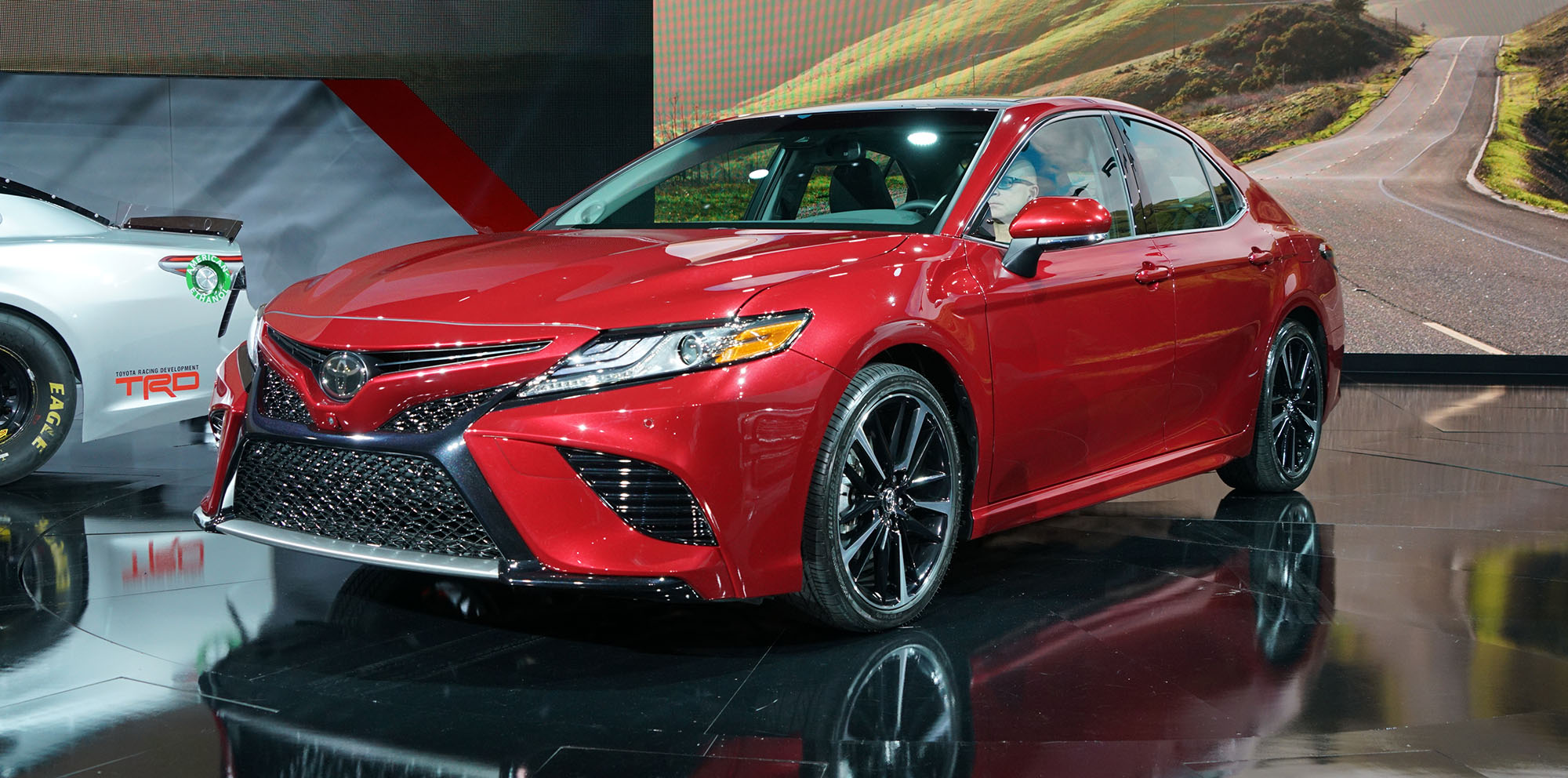 2018 toyota camry revealed japan built sedan in. Black Bedroom Furniture Sets. Home Design Ideas