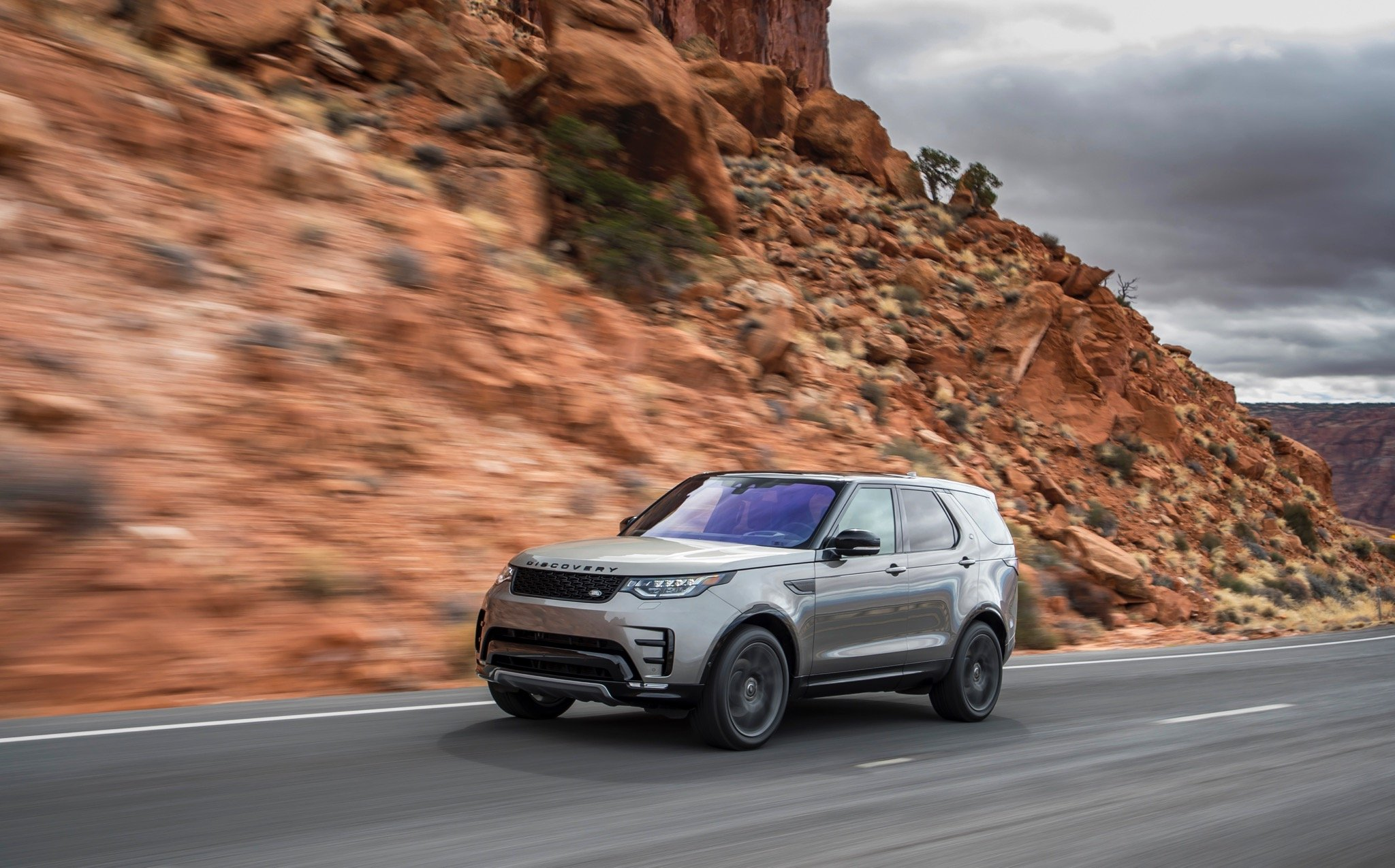 2017 land rover discovery - photo #38