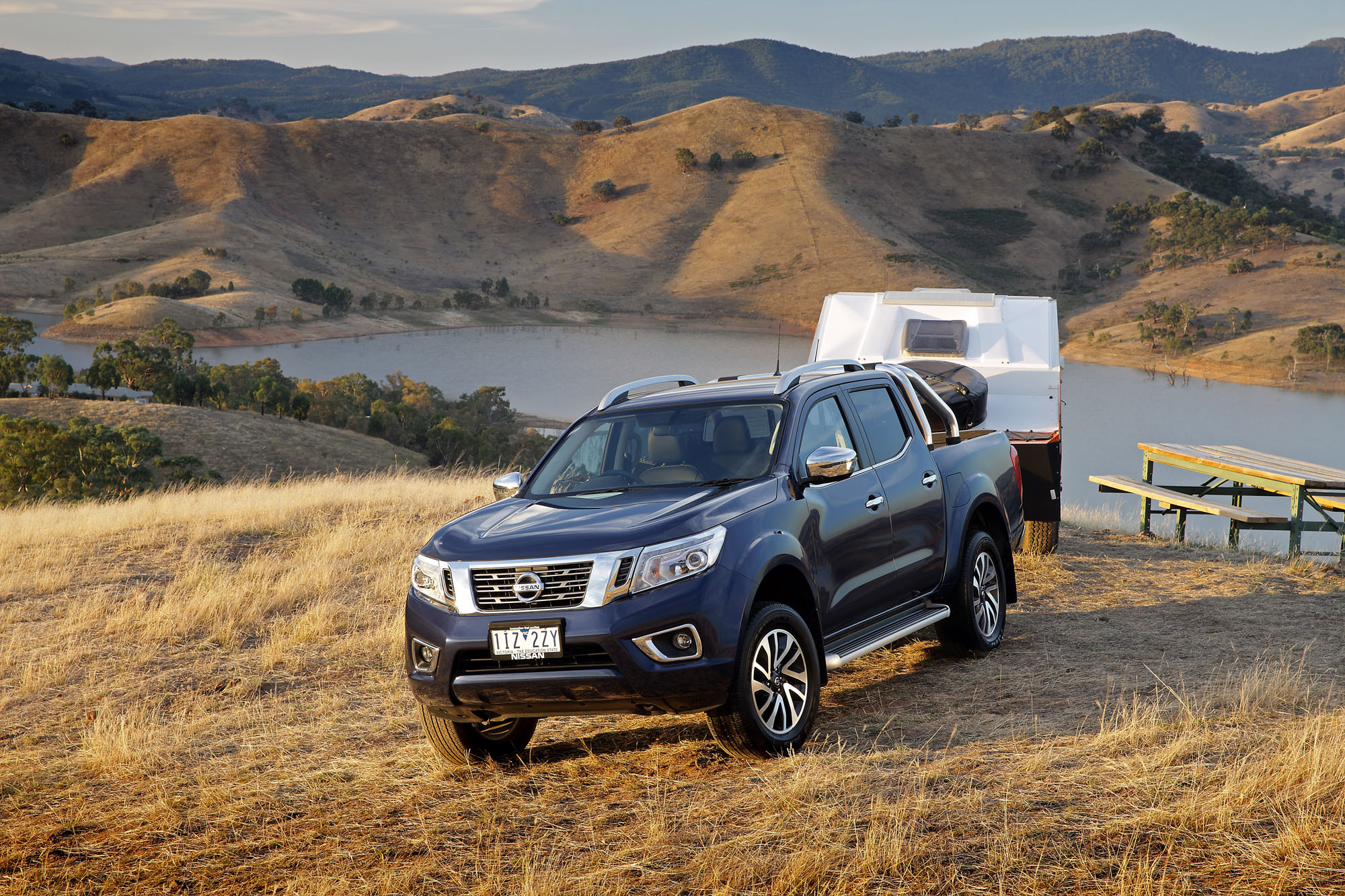 2017 nissan navara series ii dual cab review caradvice. Black Bedroom Furniture Sets. Home Design Ideas