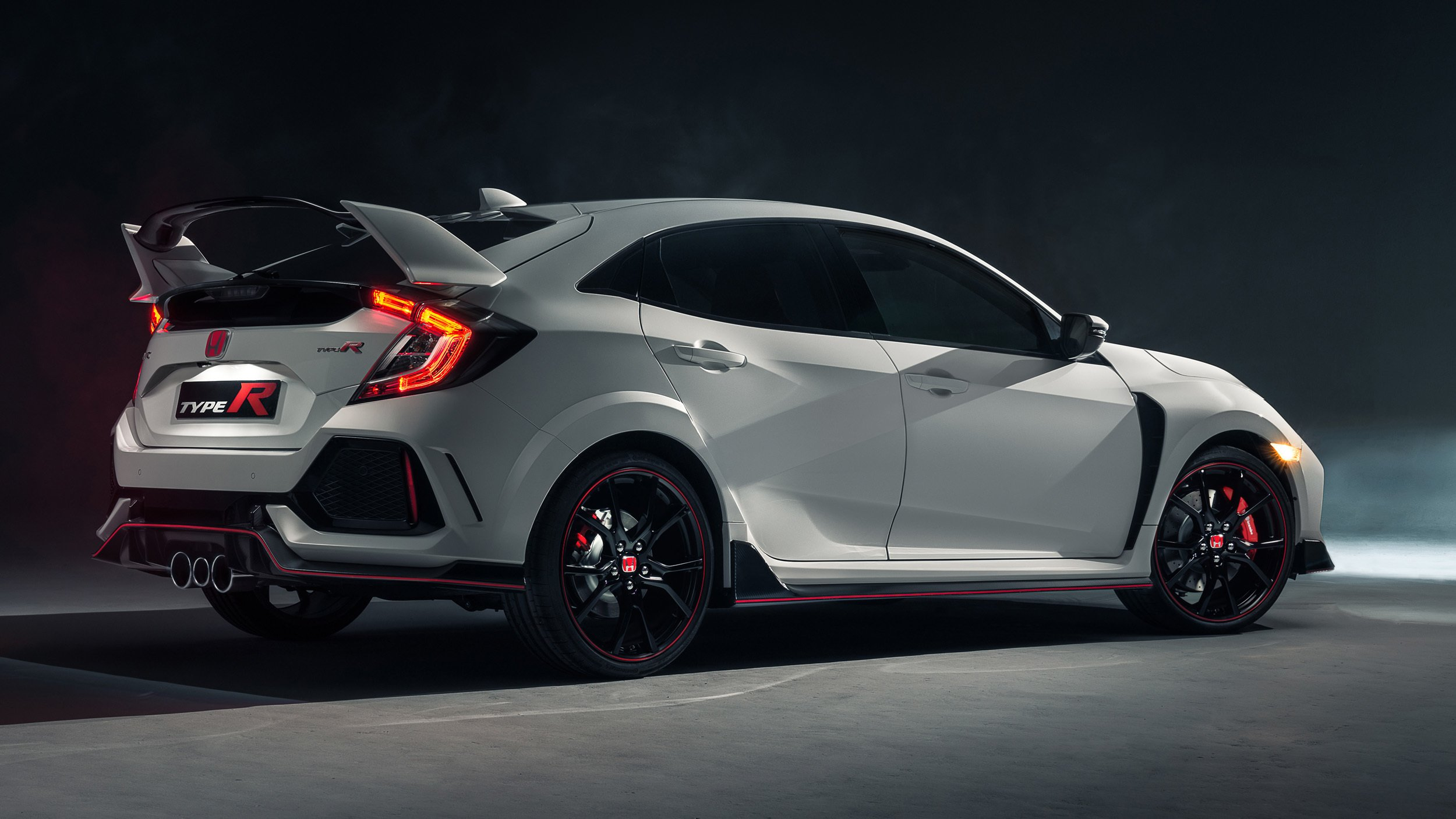 2017 honda civic type r revealed in geneva here later. Black Bedroom Furniture Sets. Home Design Ideas