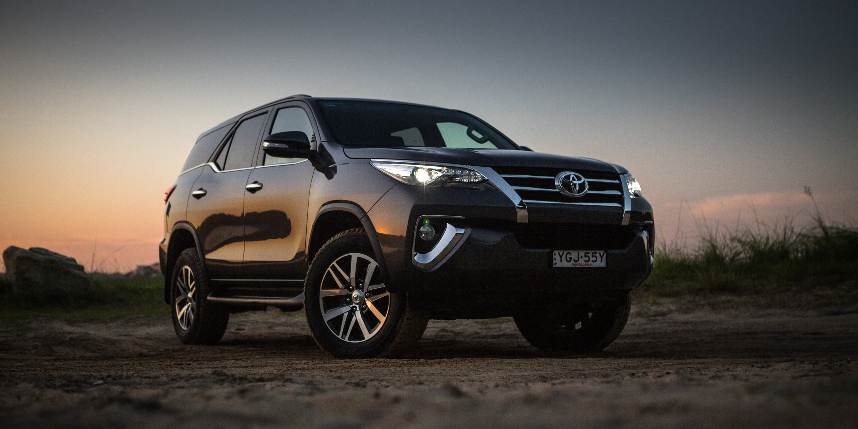 2017 toyota fortuner crusade review