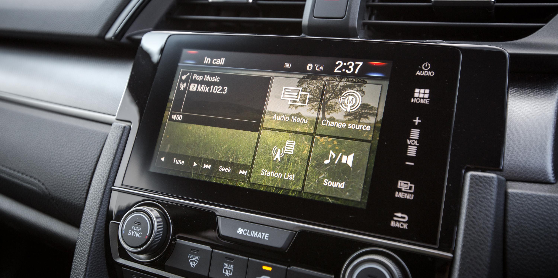 Brilliant 2017 Honda Civic VTiLX V Hyundai I30 SR Premium