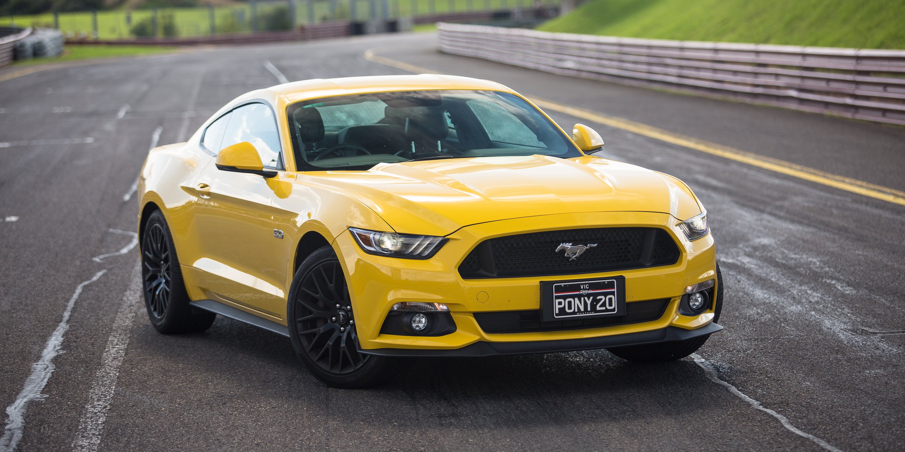 2017 ford mustang gt fastback review long term report four the track day photos 1 of 24. Black Bedroom Furniture Sets. Home Design Ideas