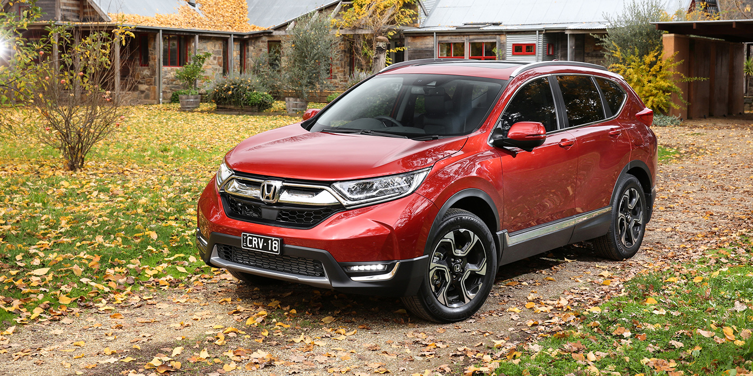 2018 honda cr v pricing and specs turbo five and seven seat suv arrives photos 1 of 21. Black Bedroom Furniture Sets. Home Design Ideas