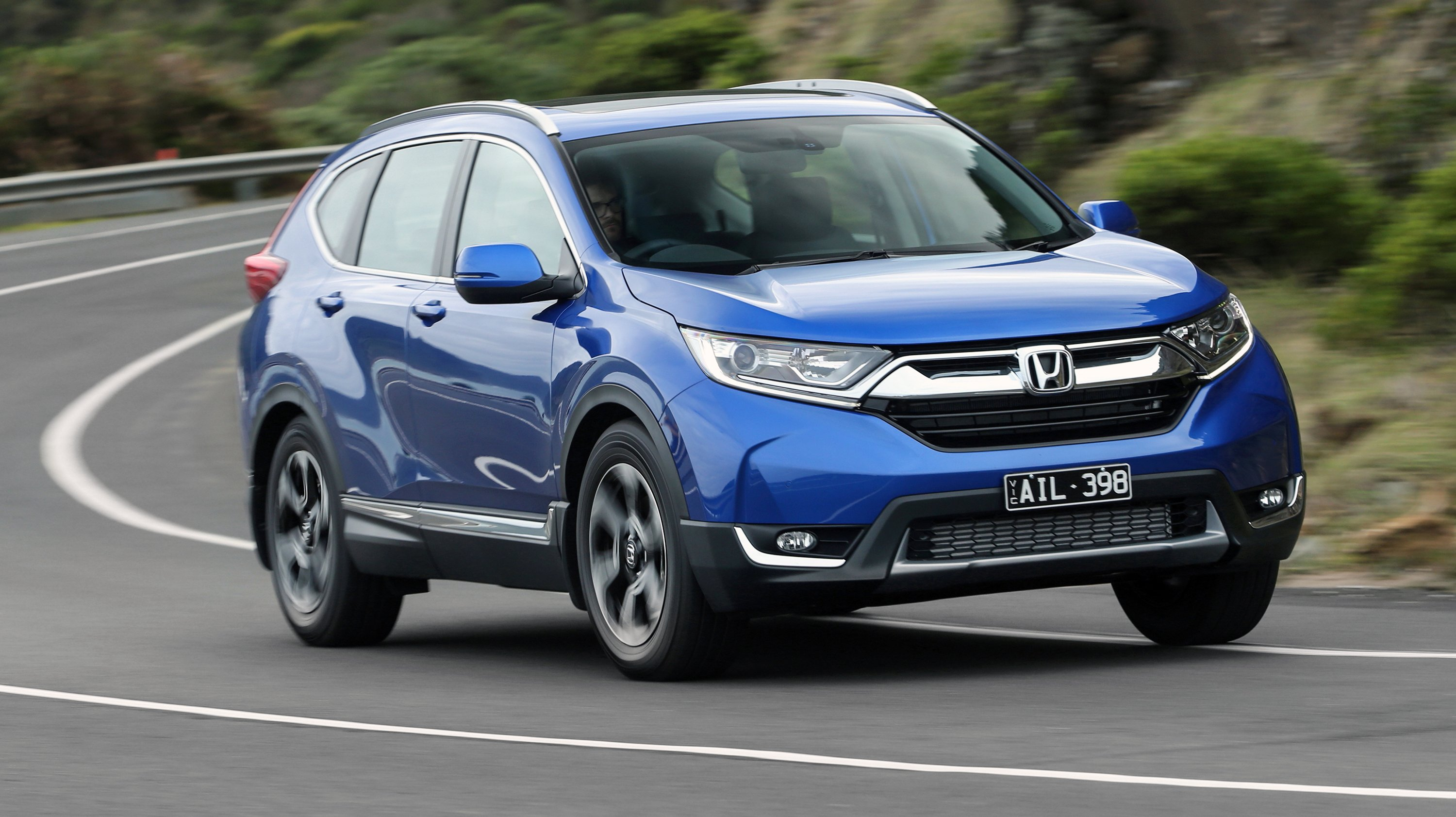 2018 Honda Cr V Pricing And Specs Turbo Five And Seven Seat Suv Arrives Photos 1 Of 21