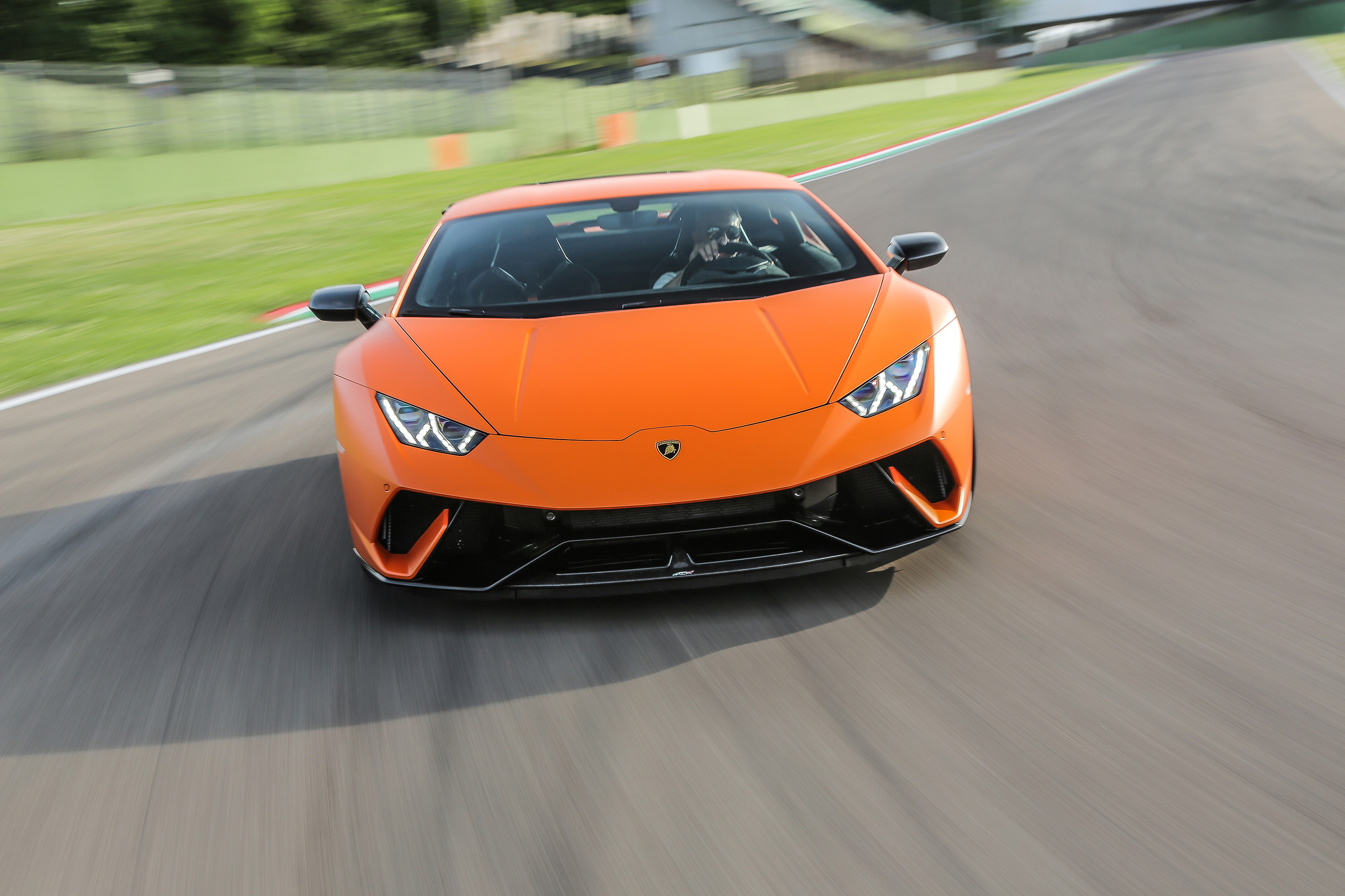 2016 lamborghini huracan spyder video review and road. Black Bedroom Furniture Sets. Home Design Ideas