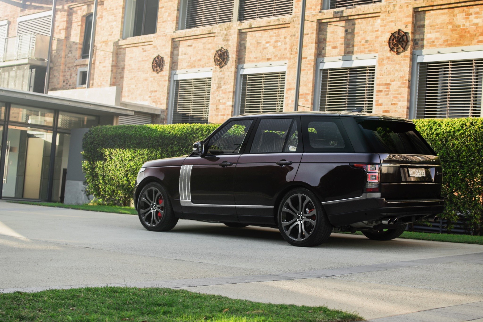 2017 range rover sv autobiography pictures to pin on pinterest pinsdaddy. Black Bedroom Furniture Sets. Home Design Ideas