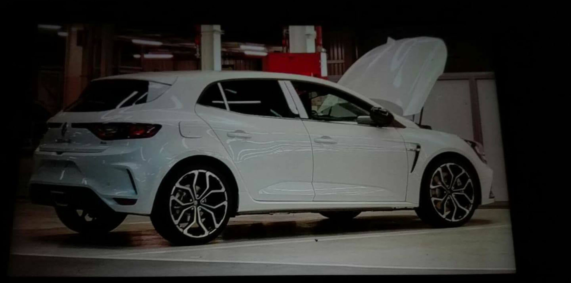 2018 Renault Megane Rs Side Profile Leaked Photos 1 Of 3