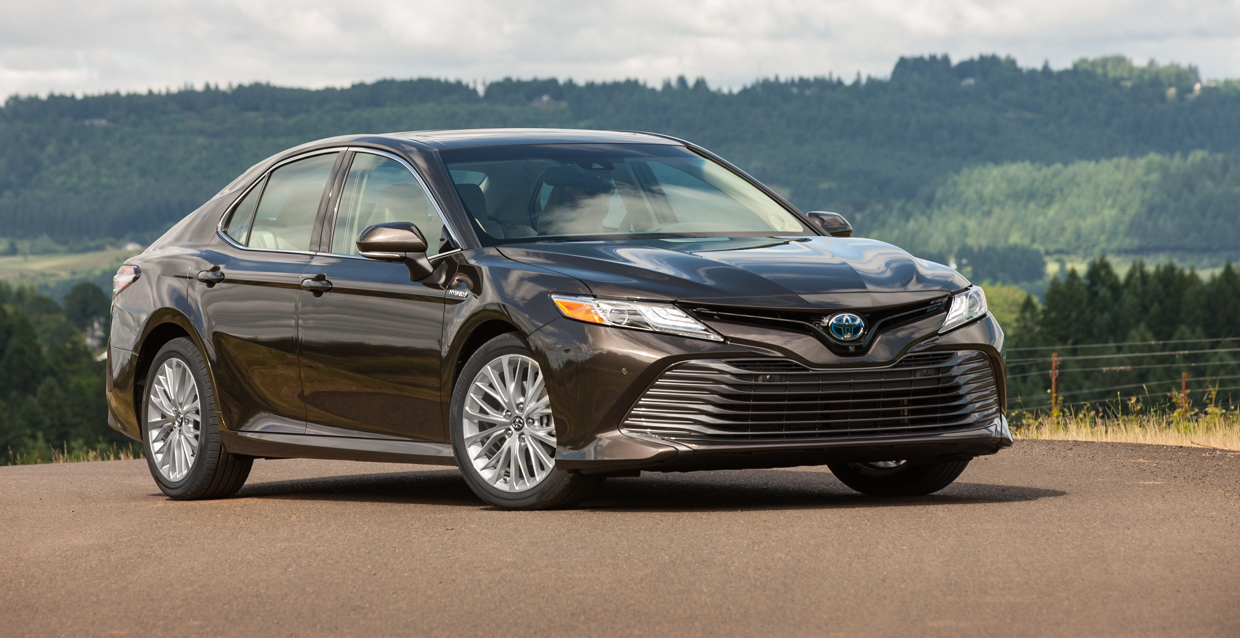 2018 Toyota Camry Hybrid review | CarAdvice
