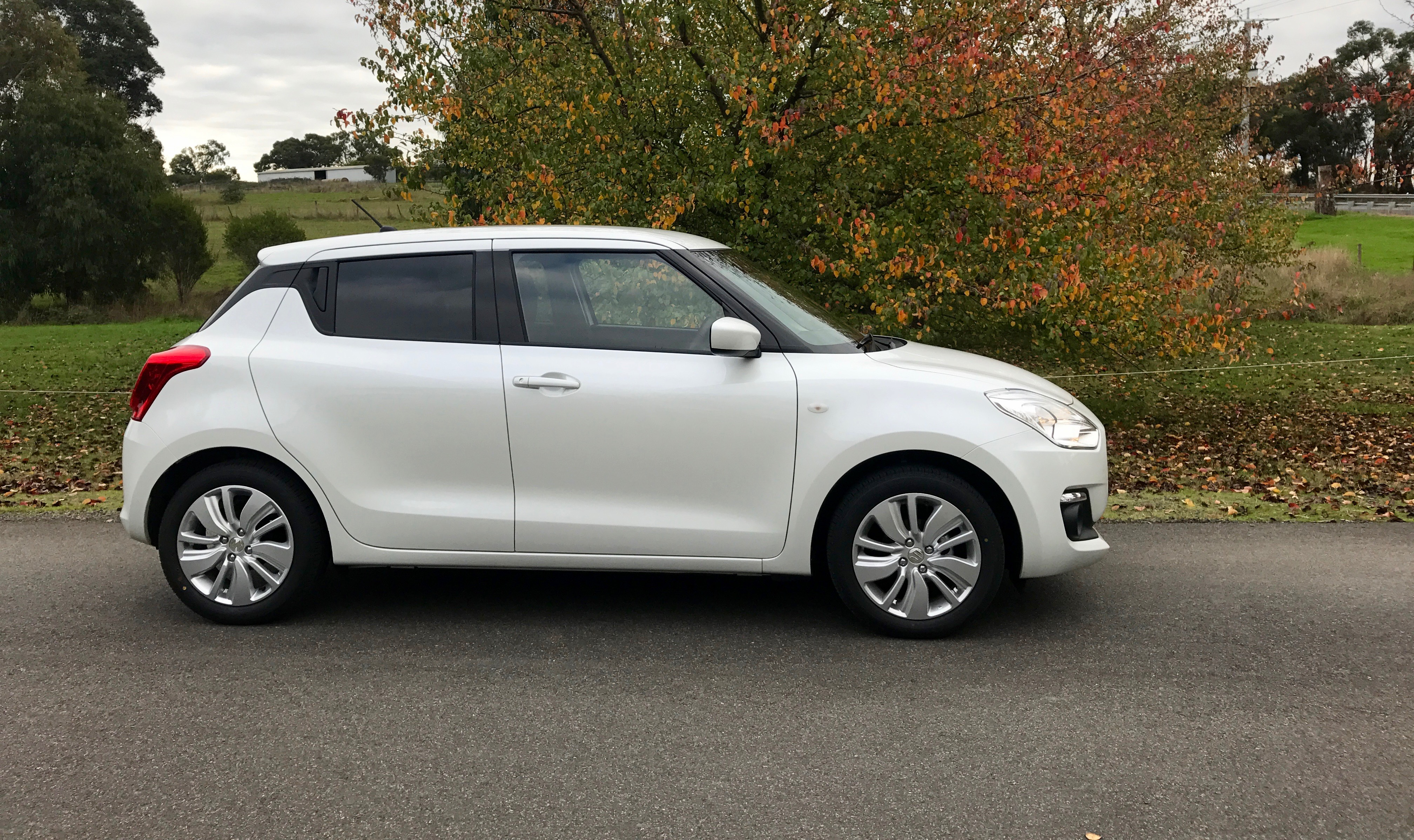 2017 suzuki swift pricing and specs photos 1 of 17. Black Bedroom Furniture Sets. Home Design Ideas