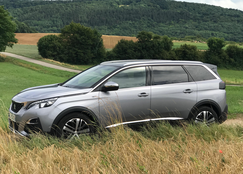 Peugeot Convertibles 2017 >> 2018 Peugeot 5008 review | CarAdvice
