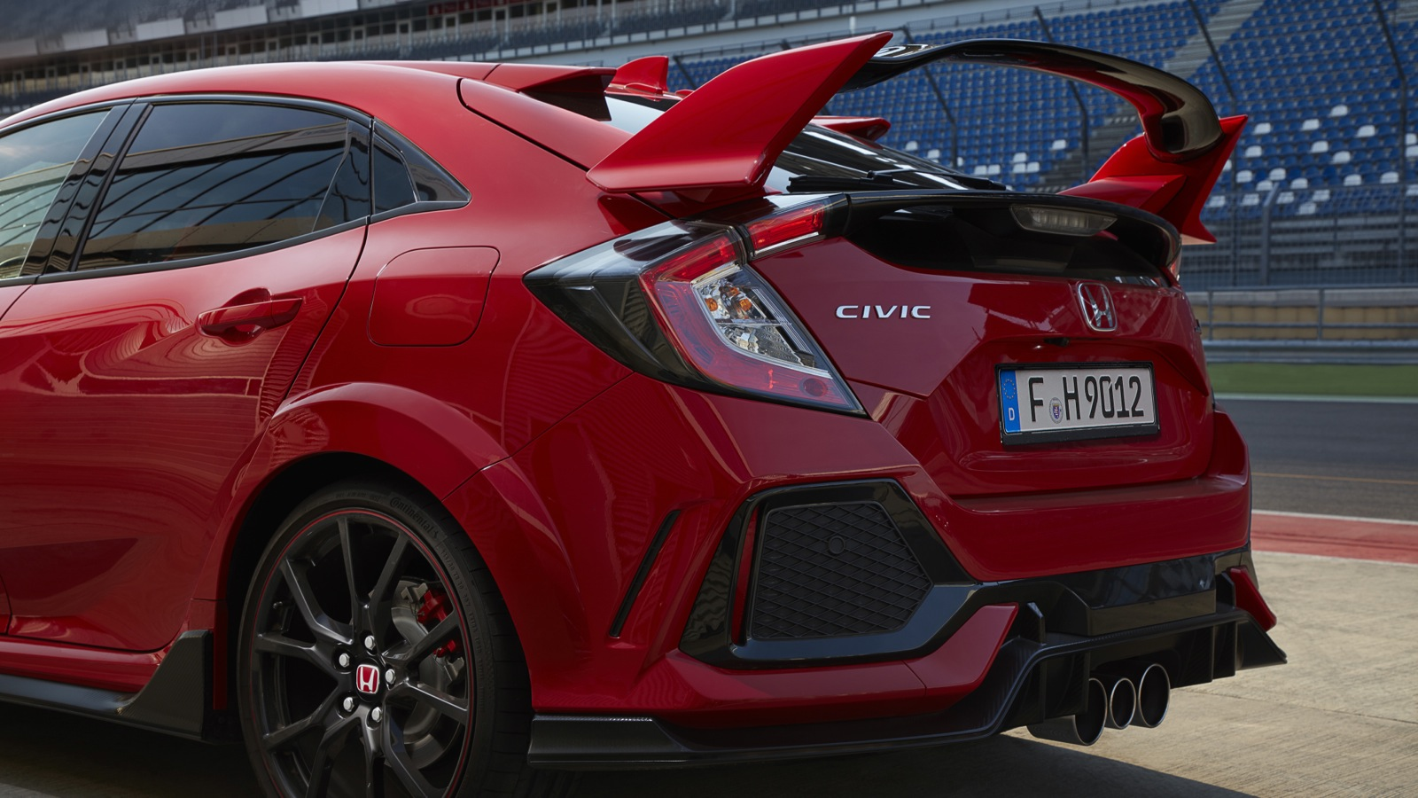 2018 honda civic type r triple exhaust makes the car. Black Bedroom Furniture Sets. Home Design Ideas