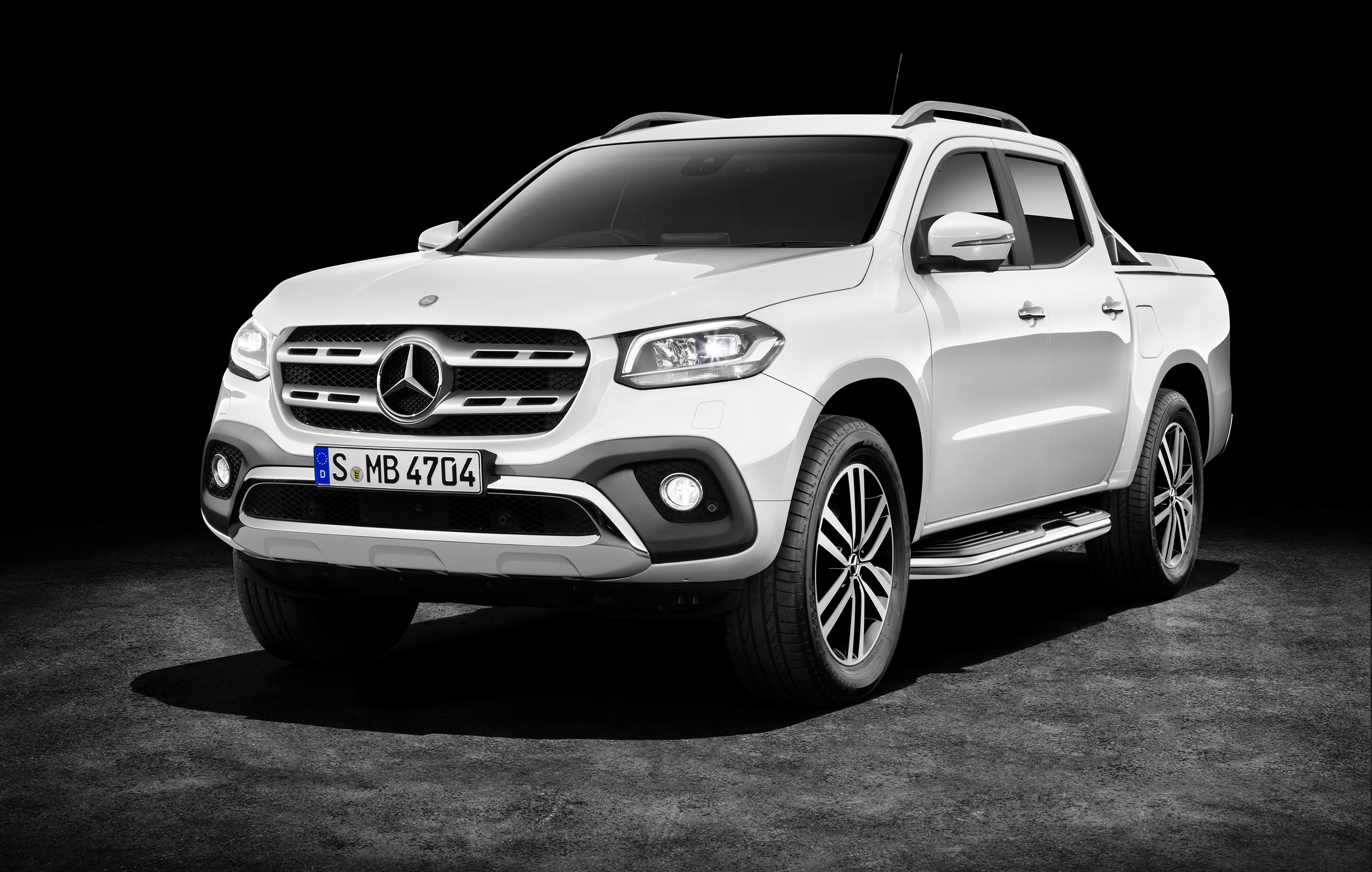 2018 mercedes benz x class ute australian details emerge photos 1 of 9. Black Bedroom Furniture Sets. Home Design Ideas