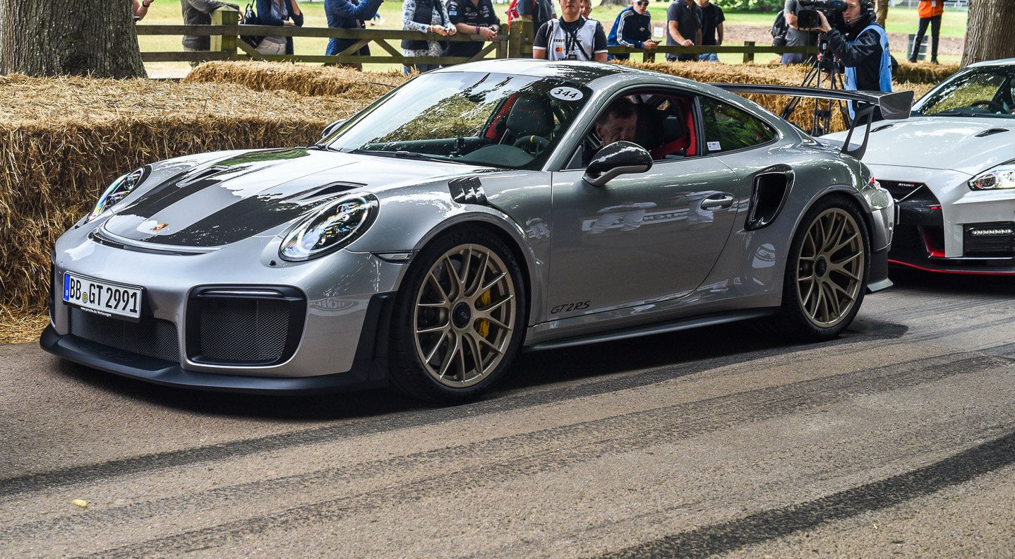 porsche gt2 rs revealed at goodwood festival of speed. Black Bedroom Furniture Sets. Home Design Ideas
