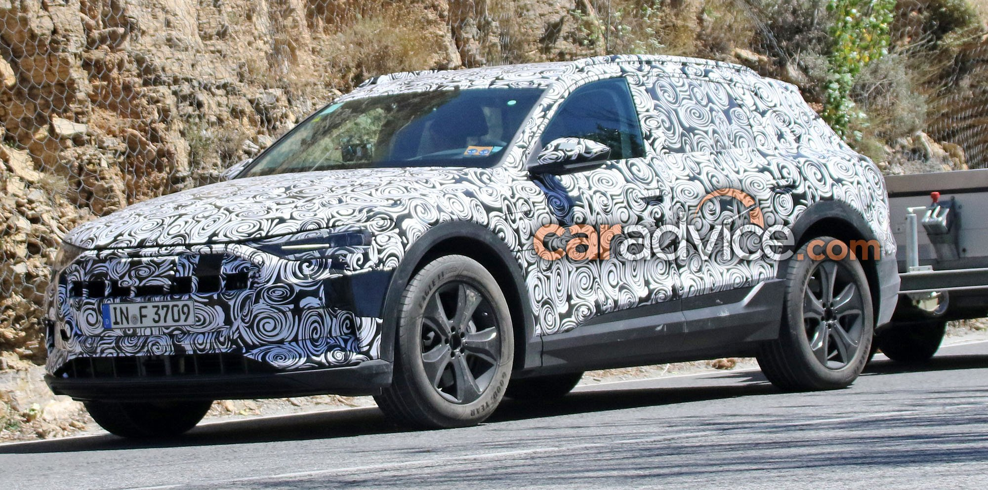 2018 audi electric. plain audi 2018 audi etron quattro spied with audi electric l