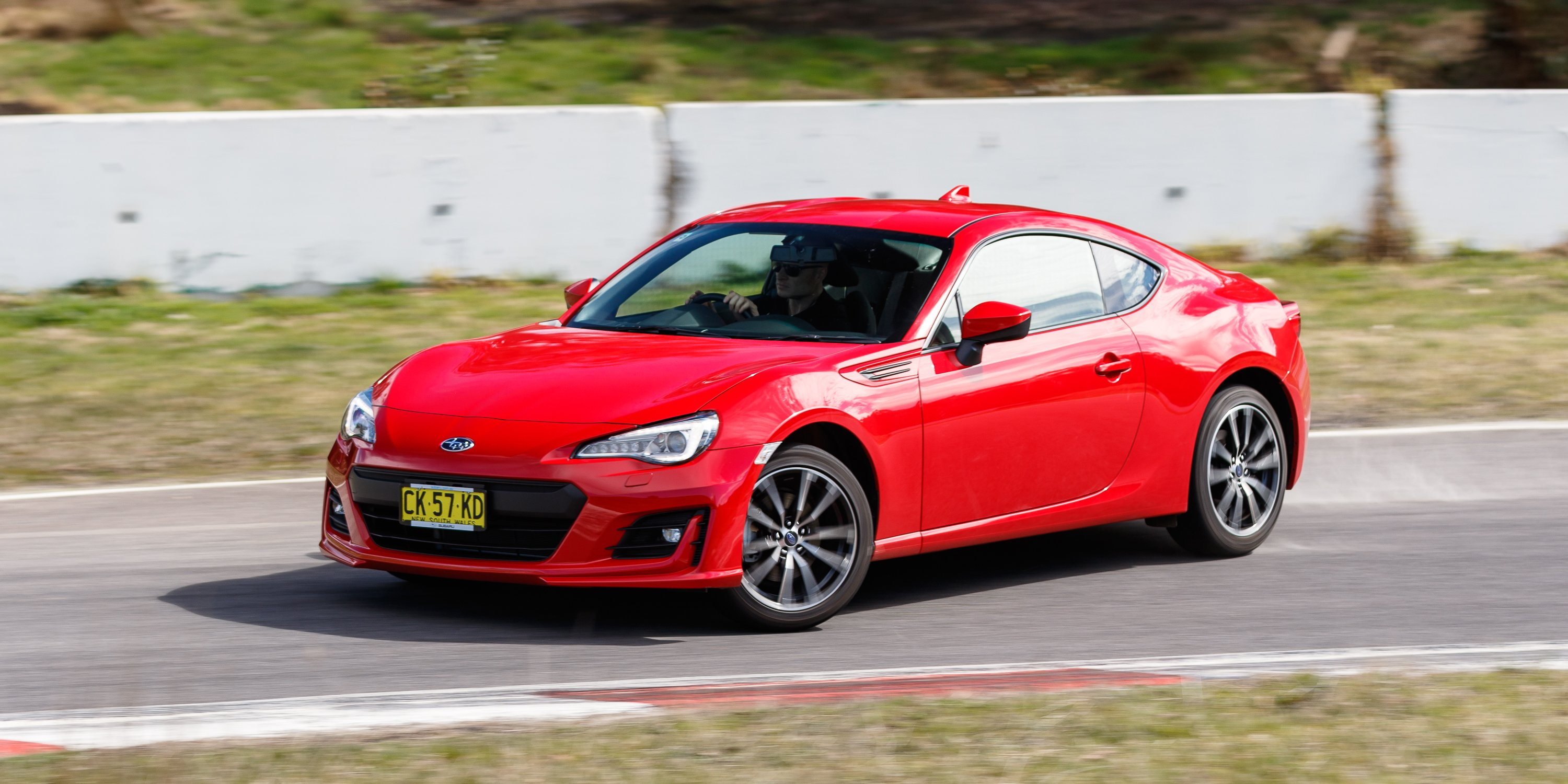 2017 subaru brz v toyota 86 gt comparison photos 1 of 119. Black Bedroom Furniture Sets. Home Design Ideas