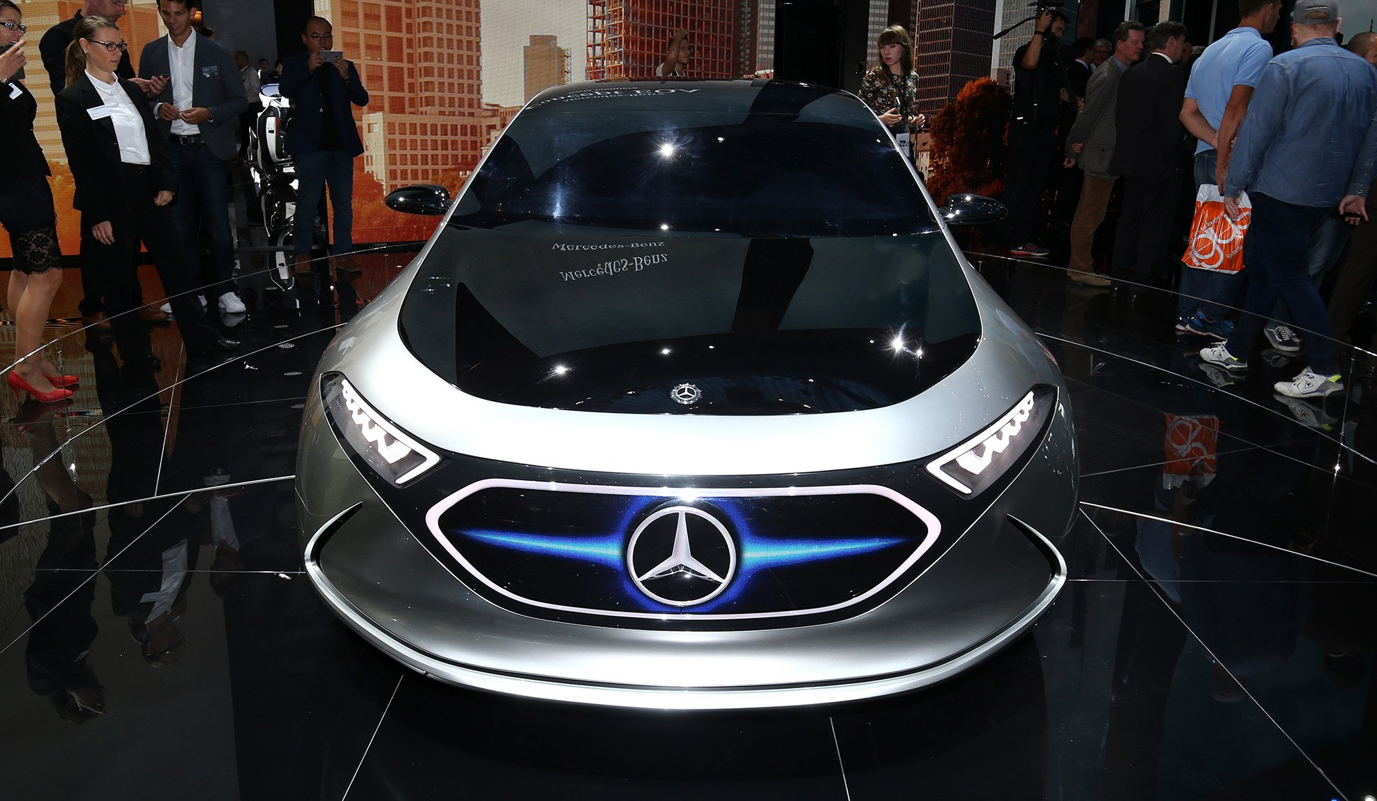 Mercedes benz says yes 39 to flying cars photos 1 of 3 for Mercedes benz cars com