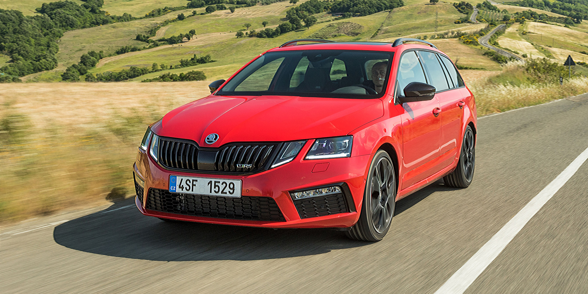 2018 skoda octavia rs245 pricing and specs photos 1 of 12. Black Bedroom Furniture Sets. Home Design Ideas