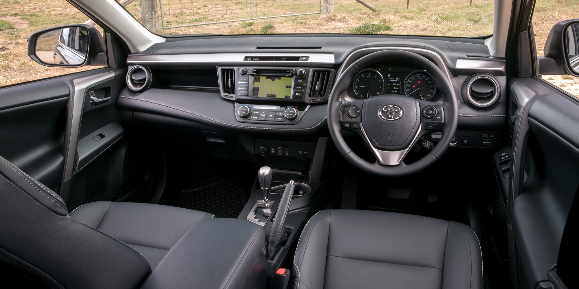 2018 Toyota Rav4 Pricing And Specs Photos 1 Of 9