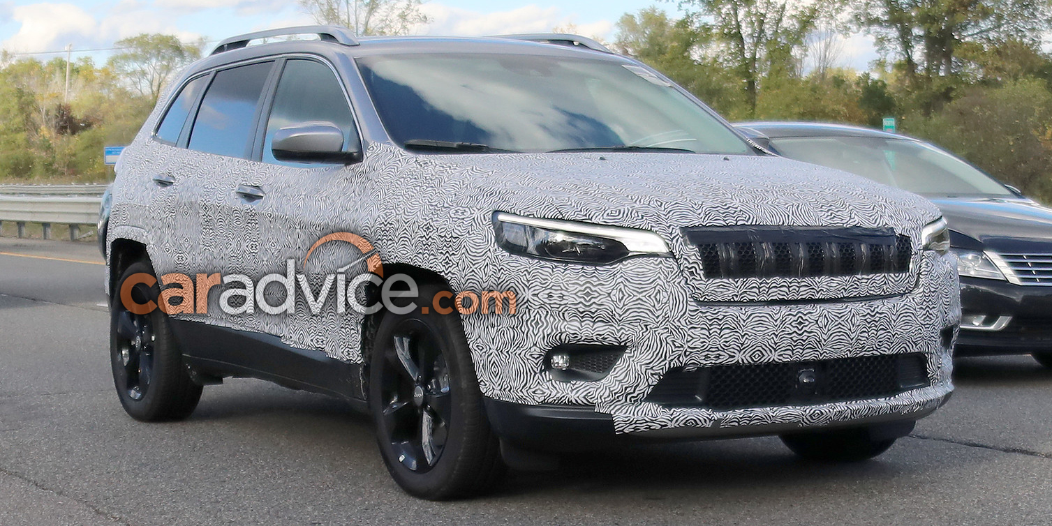 2018 jeep cherokee spied goodbye quirky headlights. Black Bedroom Furniture Sets. Home Design Ideas