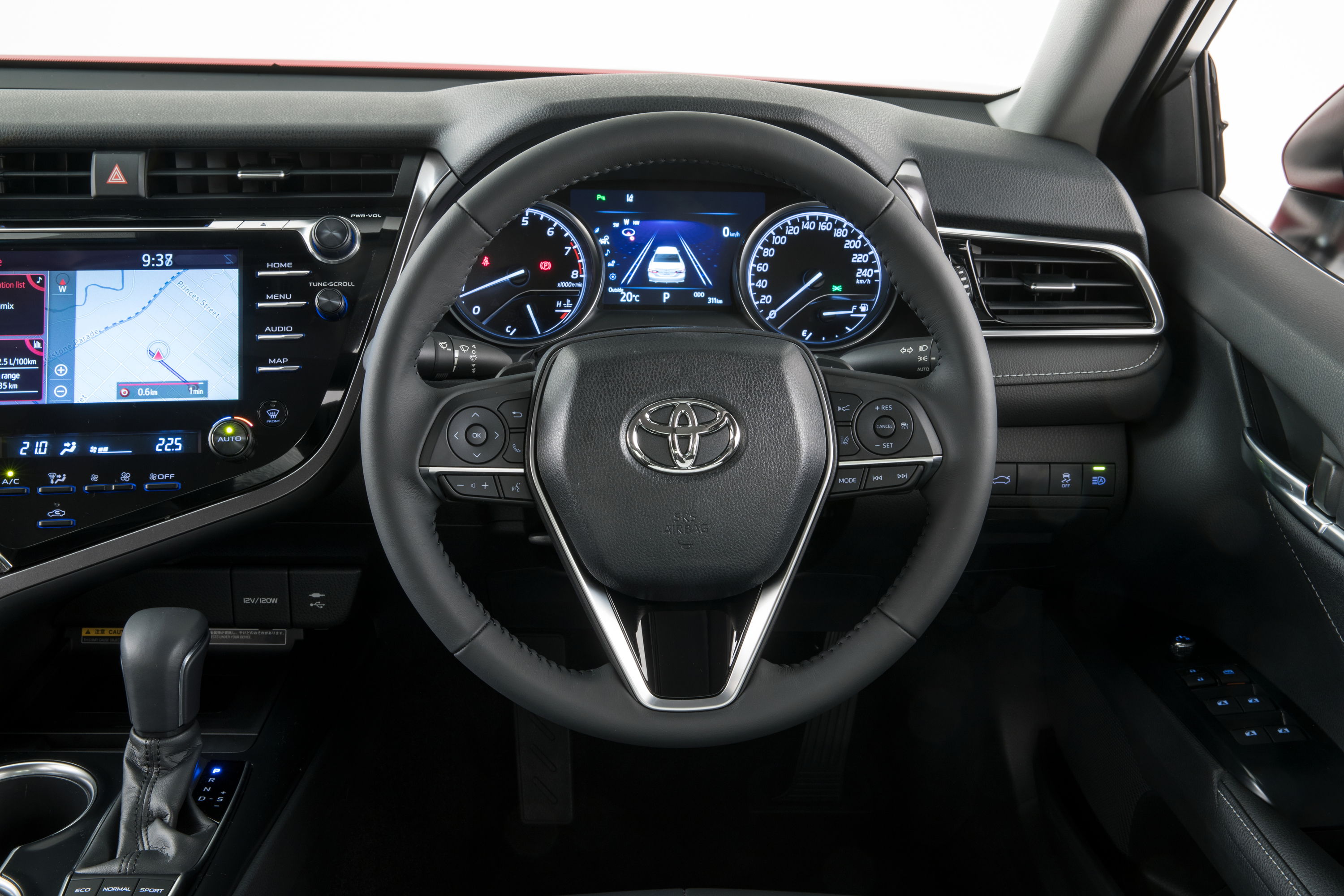 2018 Toyota Camry pricing and specs - Photos (1 of 31)
