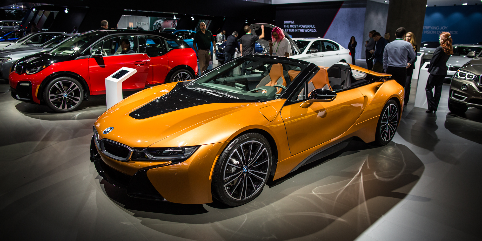 2018 bmw i8 roadster unveiled alongside coupe update photos 1 of 18. Black Bedroom Furniture Sets. Home Design Ideas