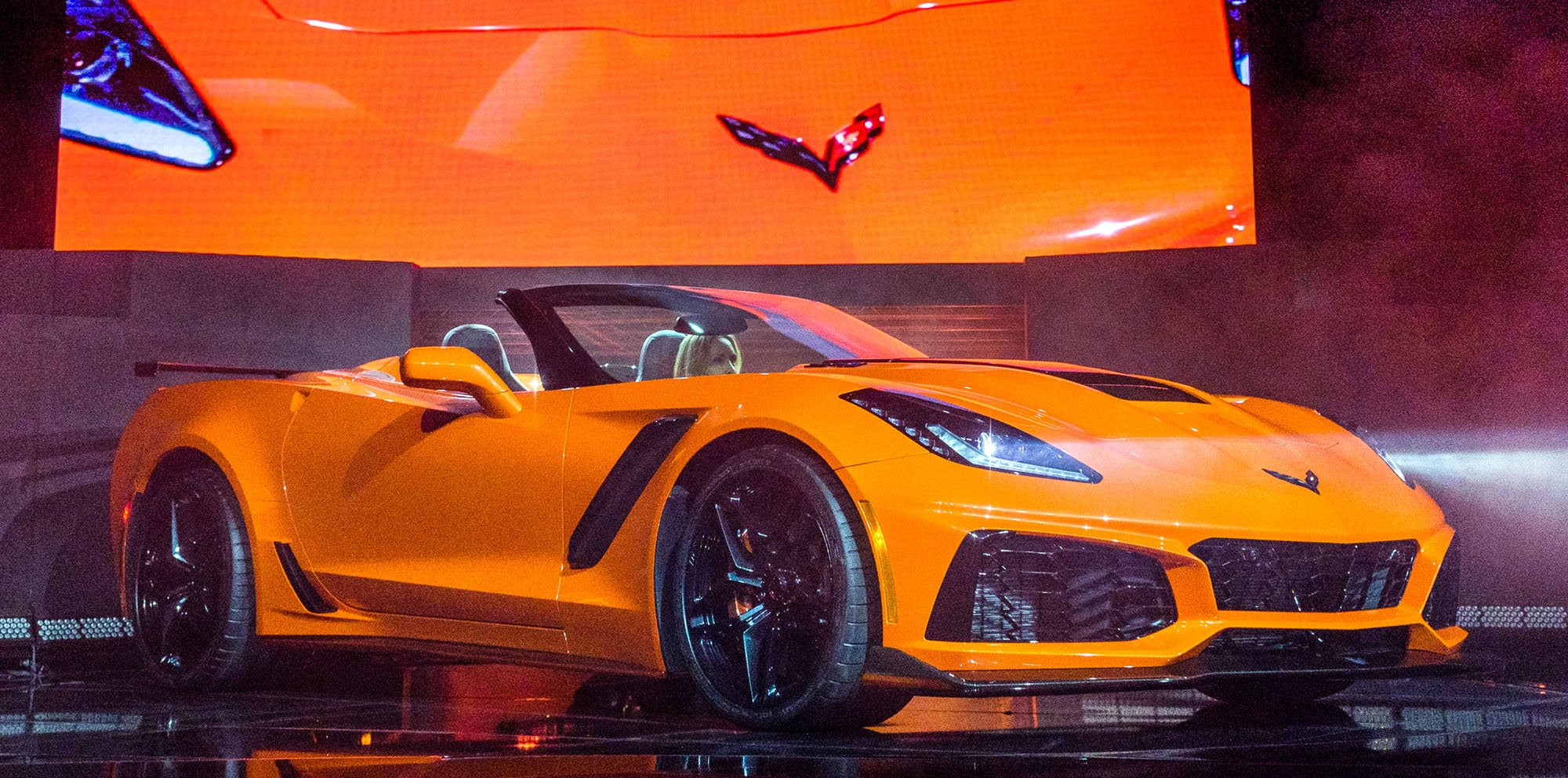 2018 Chevrolet Corvette Zr1 Convertible Unveiled Photos