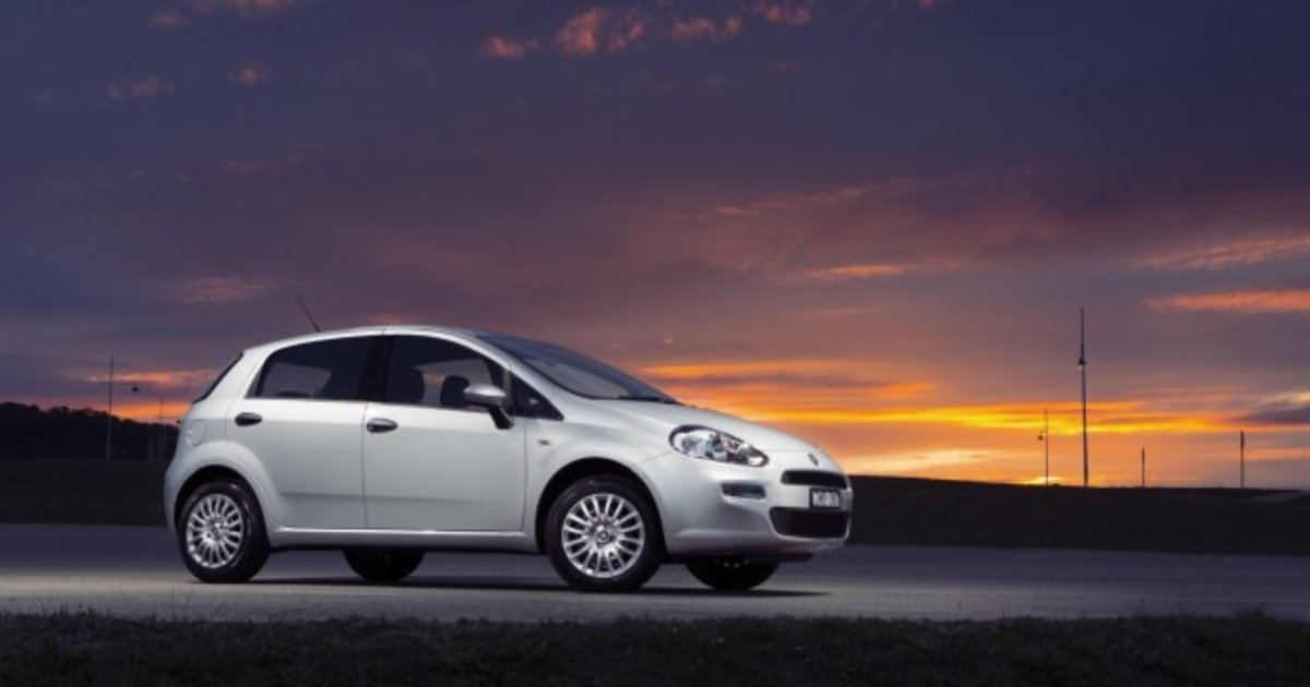 Fiat Punto: Review, Specification, Price | CarAdvice on fiat ulysse 2016, fiat fiorino 2016, fiat tempra 2016, fiat brava 2016, fiat siena 2016, fiat tipo 2016,