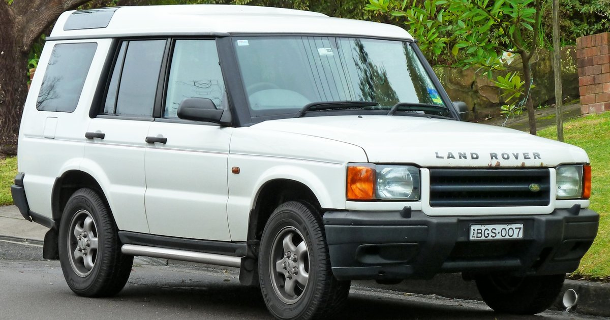 1999 land rover discovery v8 review caradvice - Land rover discovery interior dimensions ...