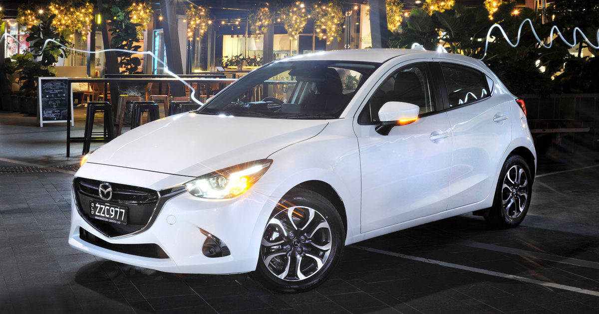 2017 mazda 2 pricing and specs standard aeb improved dynamics and new range topper. Black Bedroom Furniture Sets. Home Design Ideas