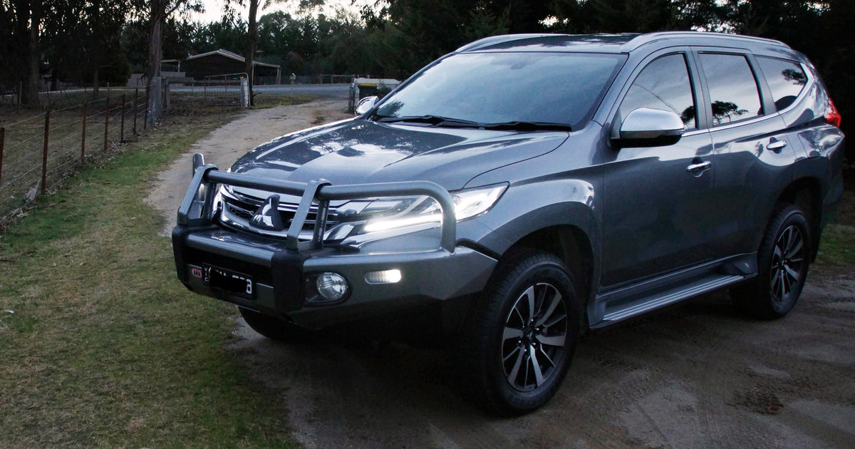 2017 mitsubishi pajero sport gls 4 4 review caradvice. Black Bedroom Furniture Sets. Home Design Ideas
