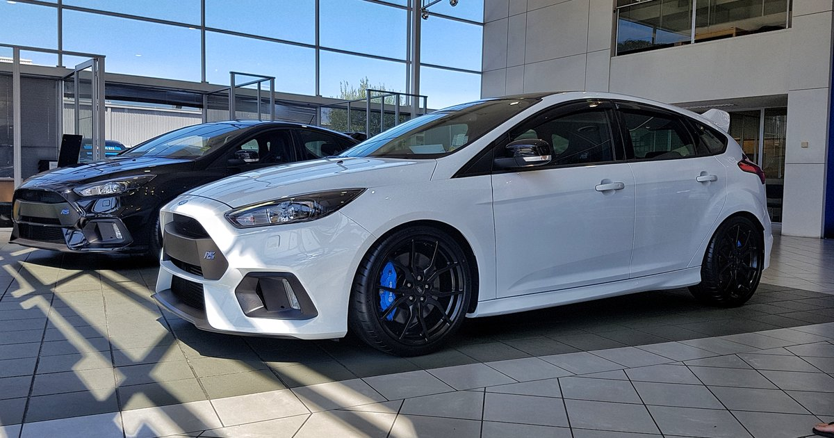 2017 ford focus rs review caradvice. Black Bedroom Furniture Sets. Home Design Ideas