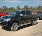 2012-toyota-hilux-review-03