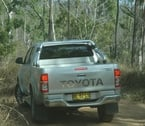 2012-toyota-hilux-review-15