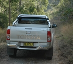 2012-toyota-hilux-review-24