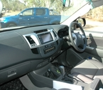 2012-toyota-hilux-review-32